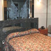 Royal Motel image 3