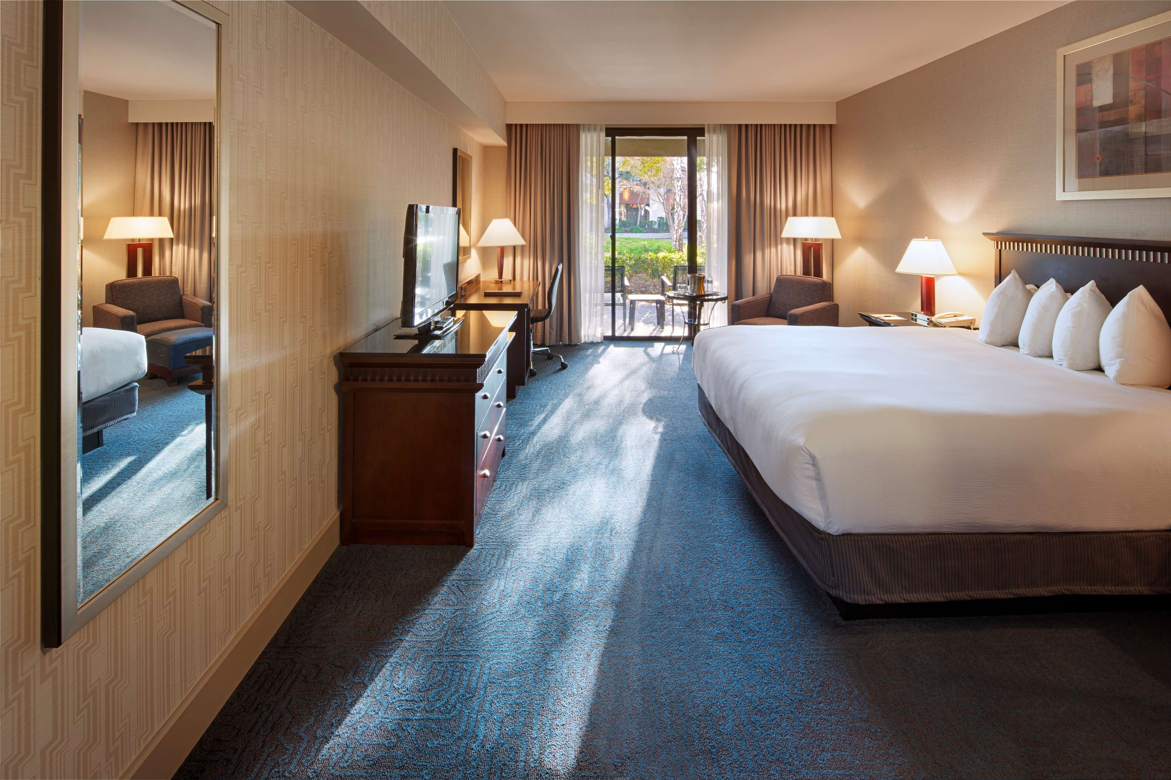 DoubleTree by Hilton Hotel Newark - Fremont image 34