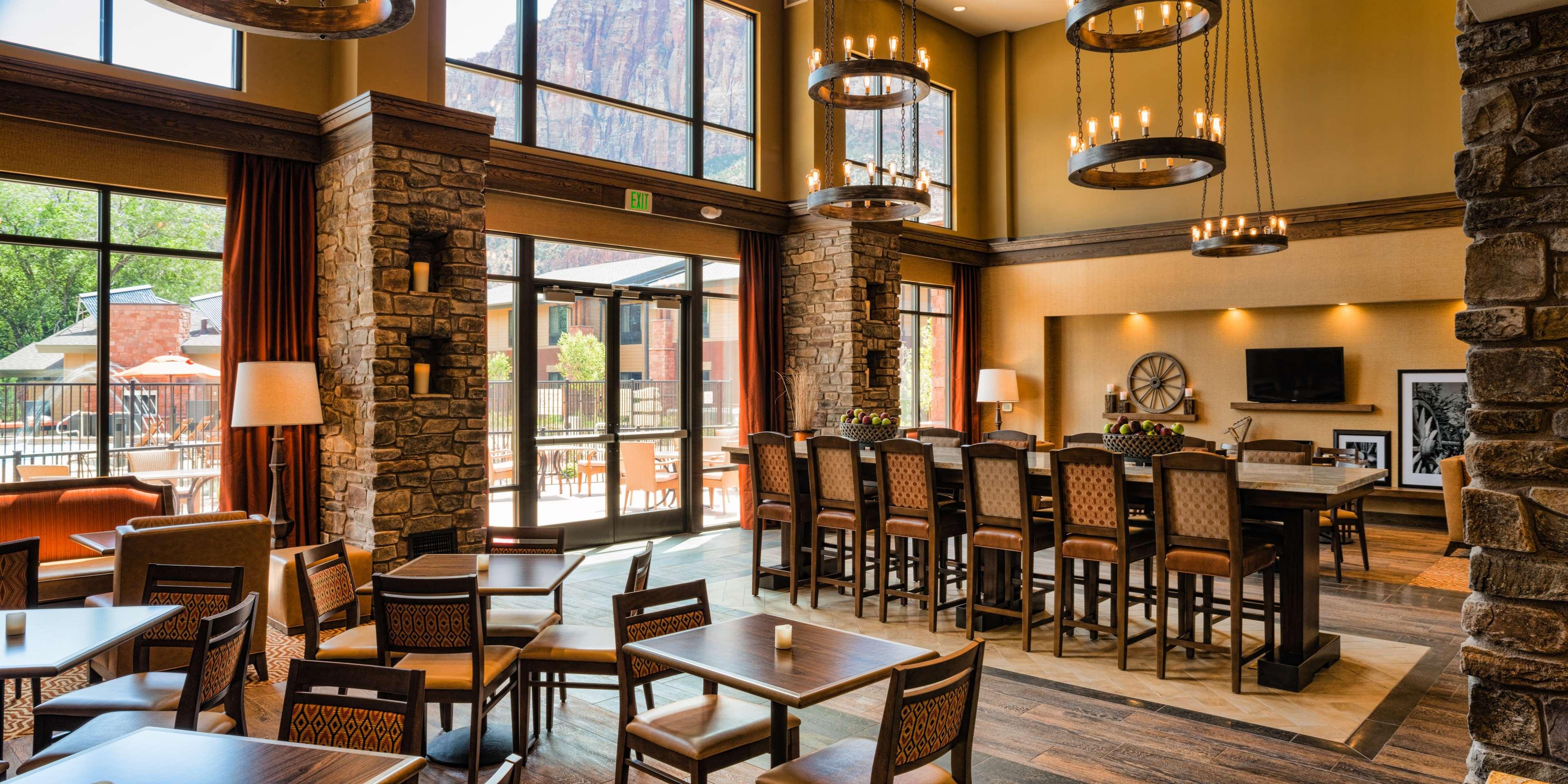 Hampton Inn & Suites Springdale/Zion National Park image 7