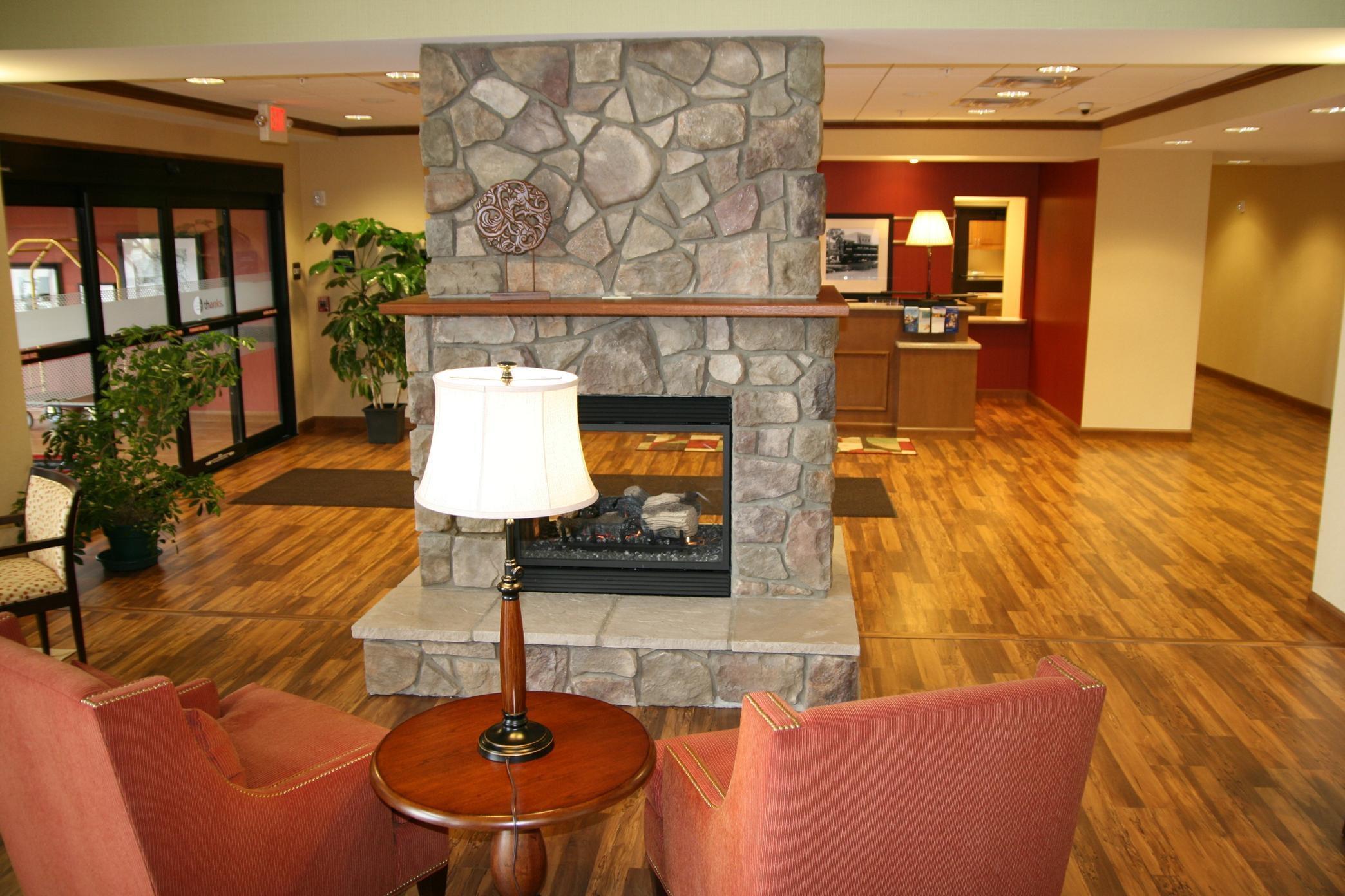 Hampton Inn & Suites Warren image 21