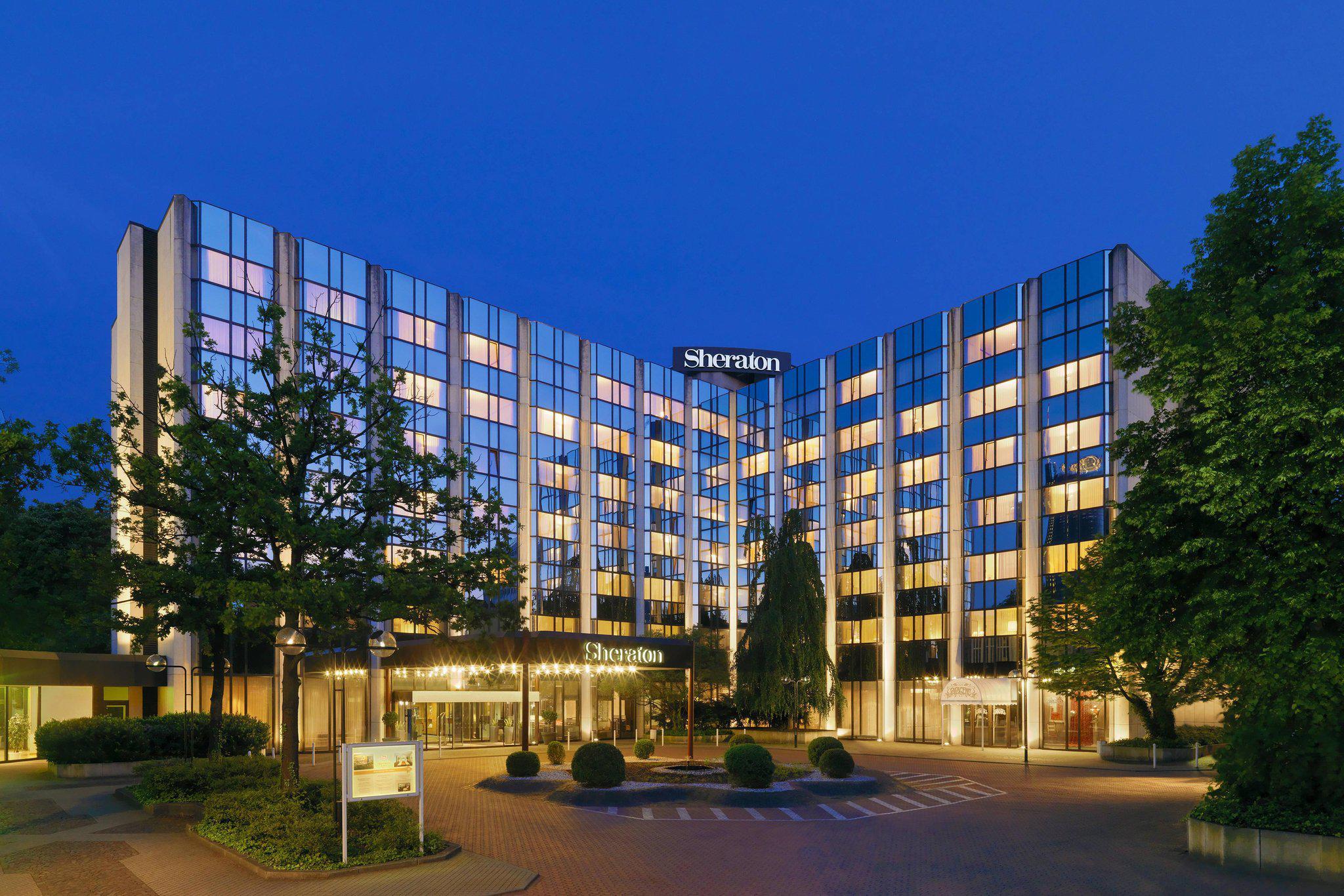 Sheraton Essen Hotel, Huyssenallee 55 in Essen