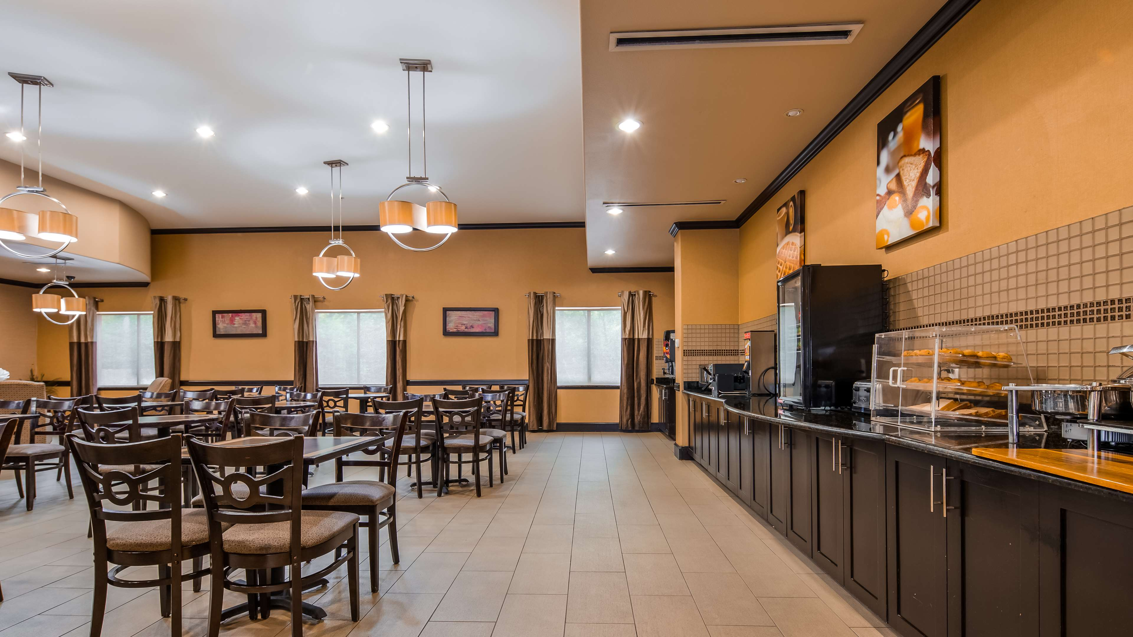 Best Western Plus Texoma Hotel & Suites image 31