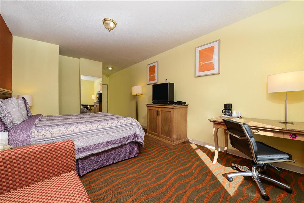 Americas Best Value Inn Winter Haven image 8