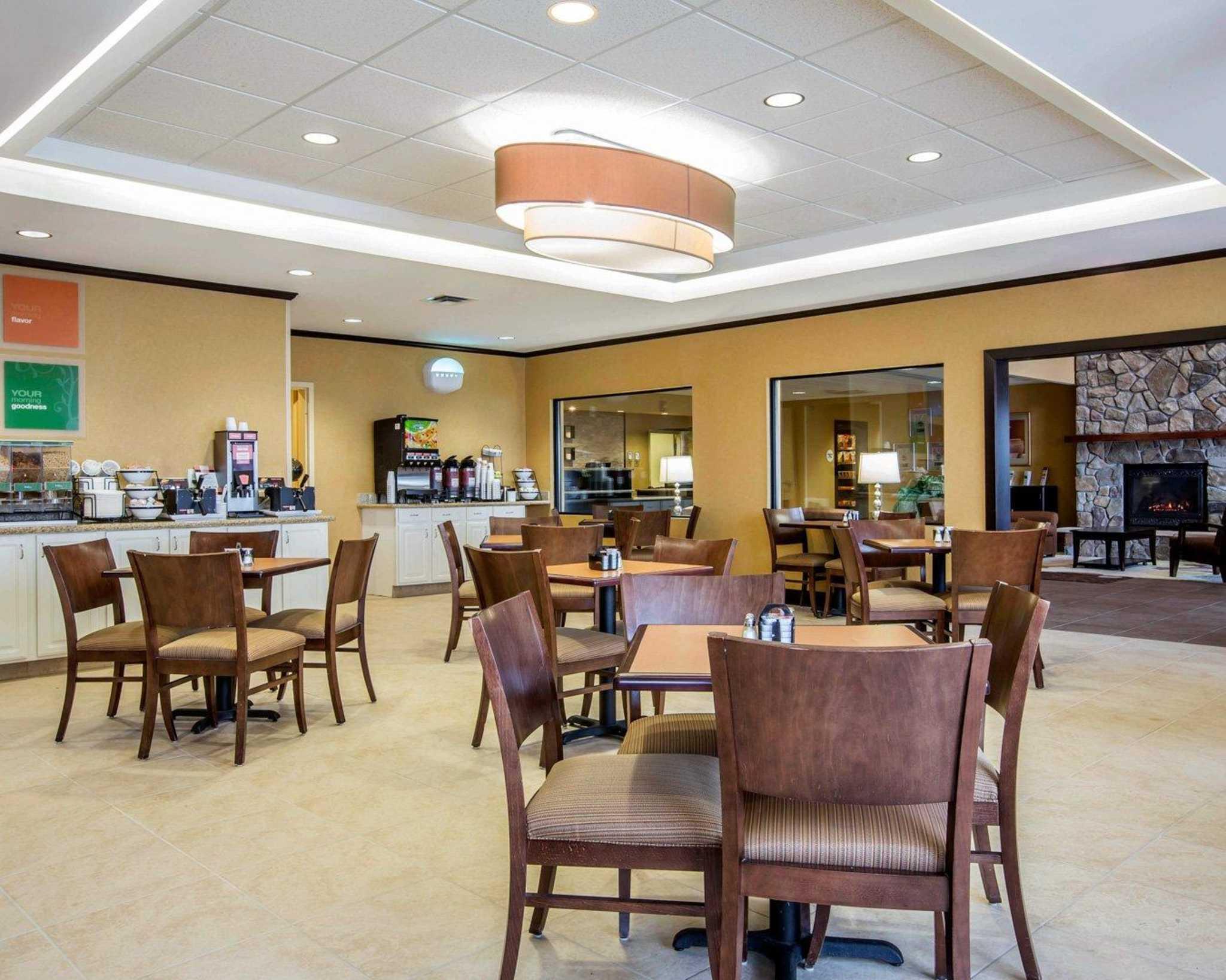 Comfort Inn & Suites adj to Akwesasne Mohawk Casino image 37