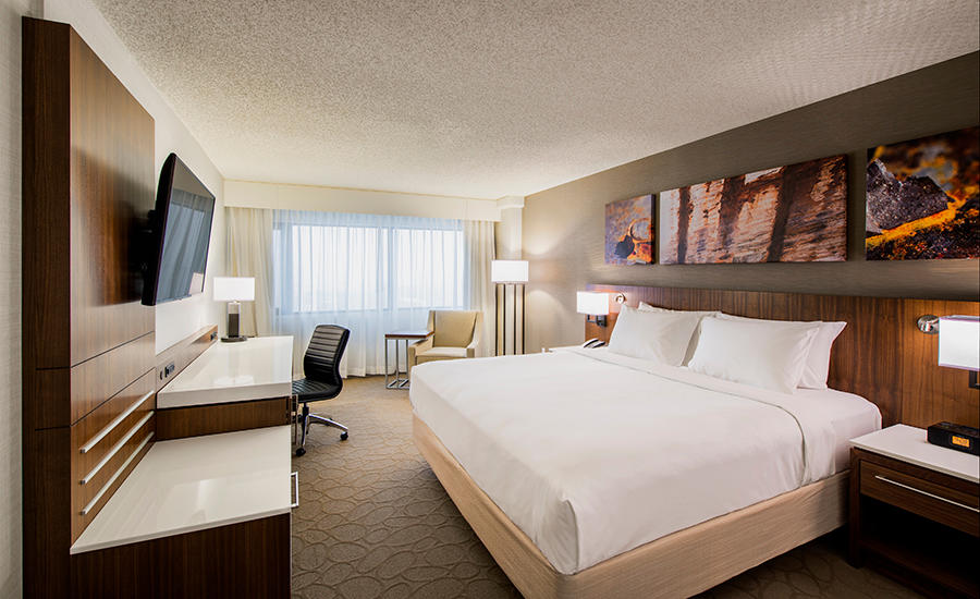 Delta Hotels by Marriott Regina in Regina: Deluxe Room- One King Bed