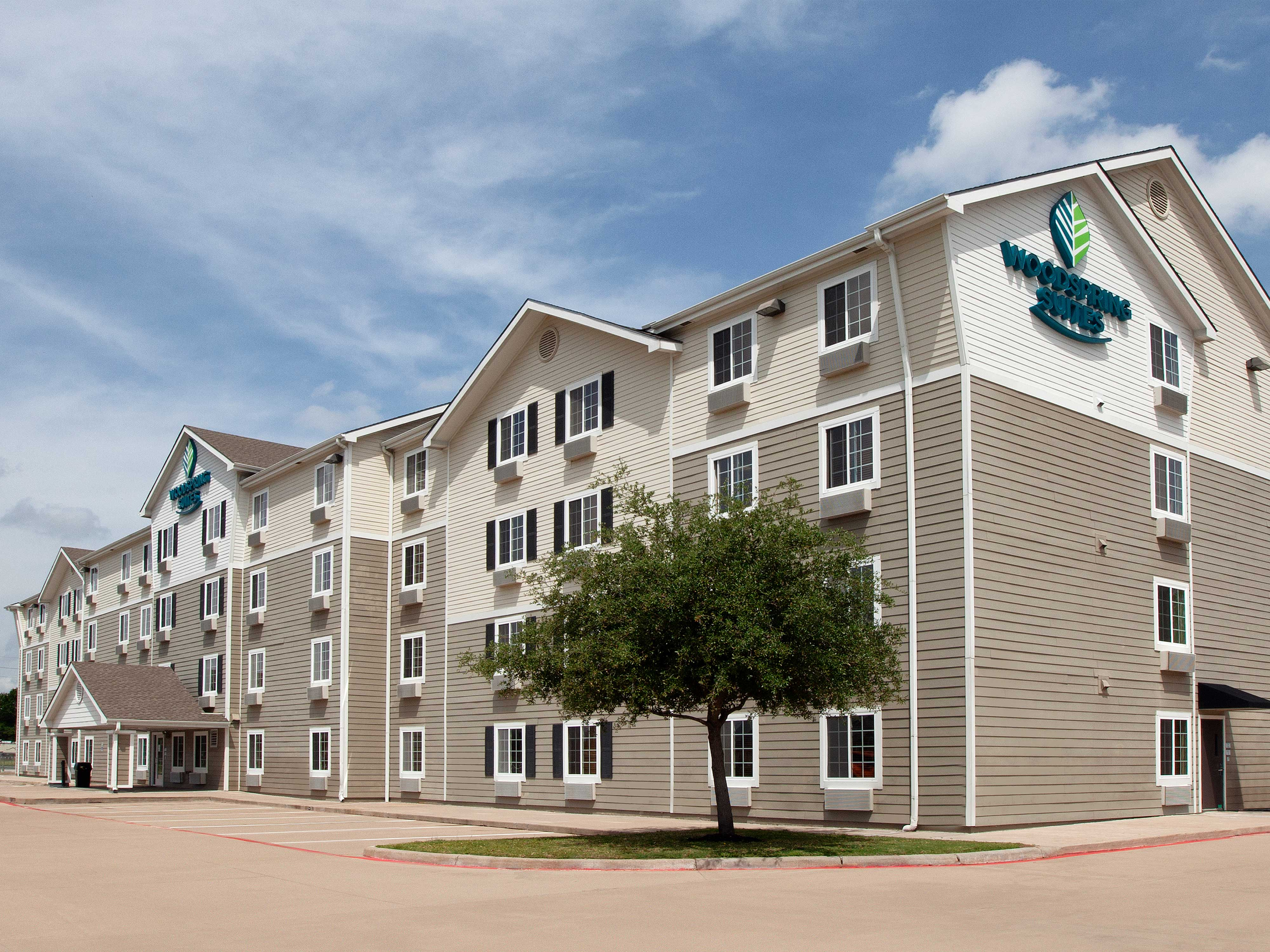 WoodSpring Suites Houston Willowbrook image 7