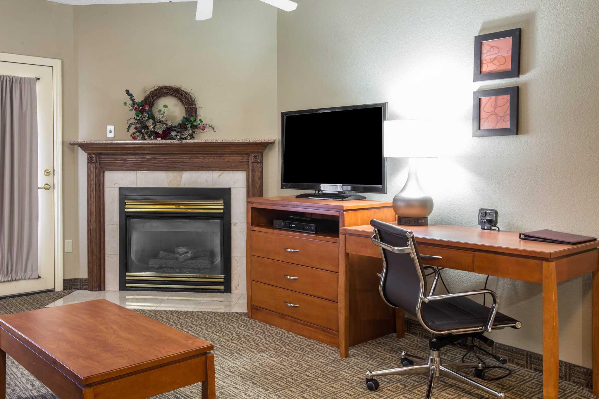 Comfort Suites Mountain Mile Area image 14