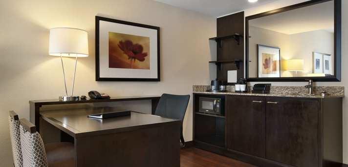 Embassy Suites by Hilton Jackson North Ridgeland image 3