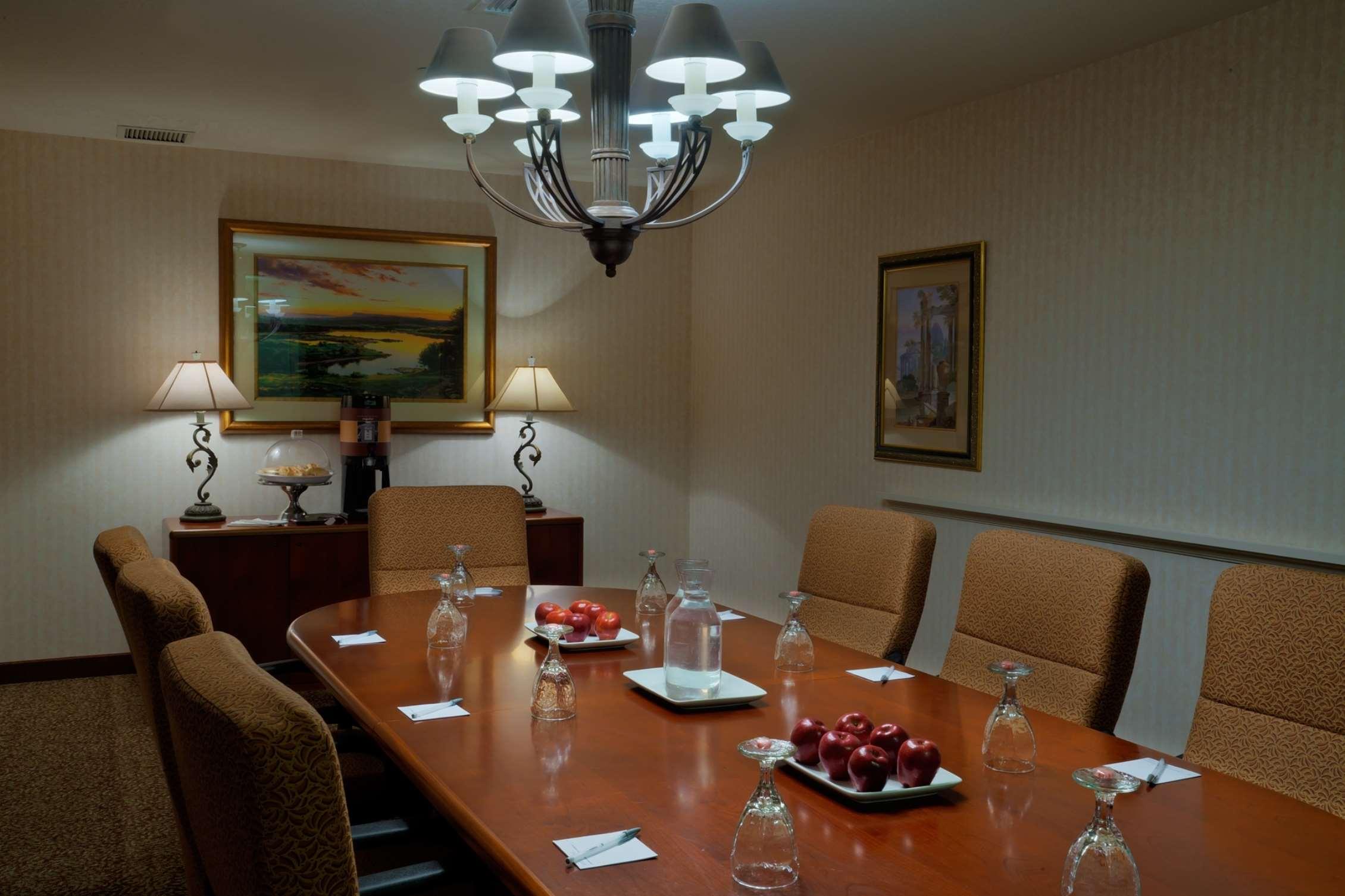 Hampton Inn & Suites Salt Lake City Airport image 20
