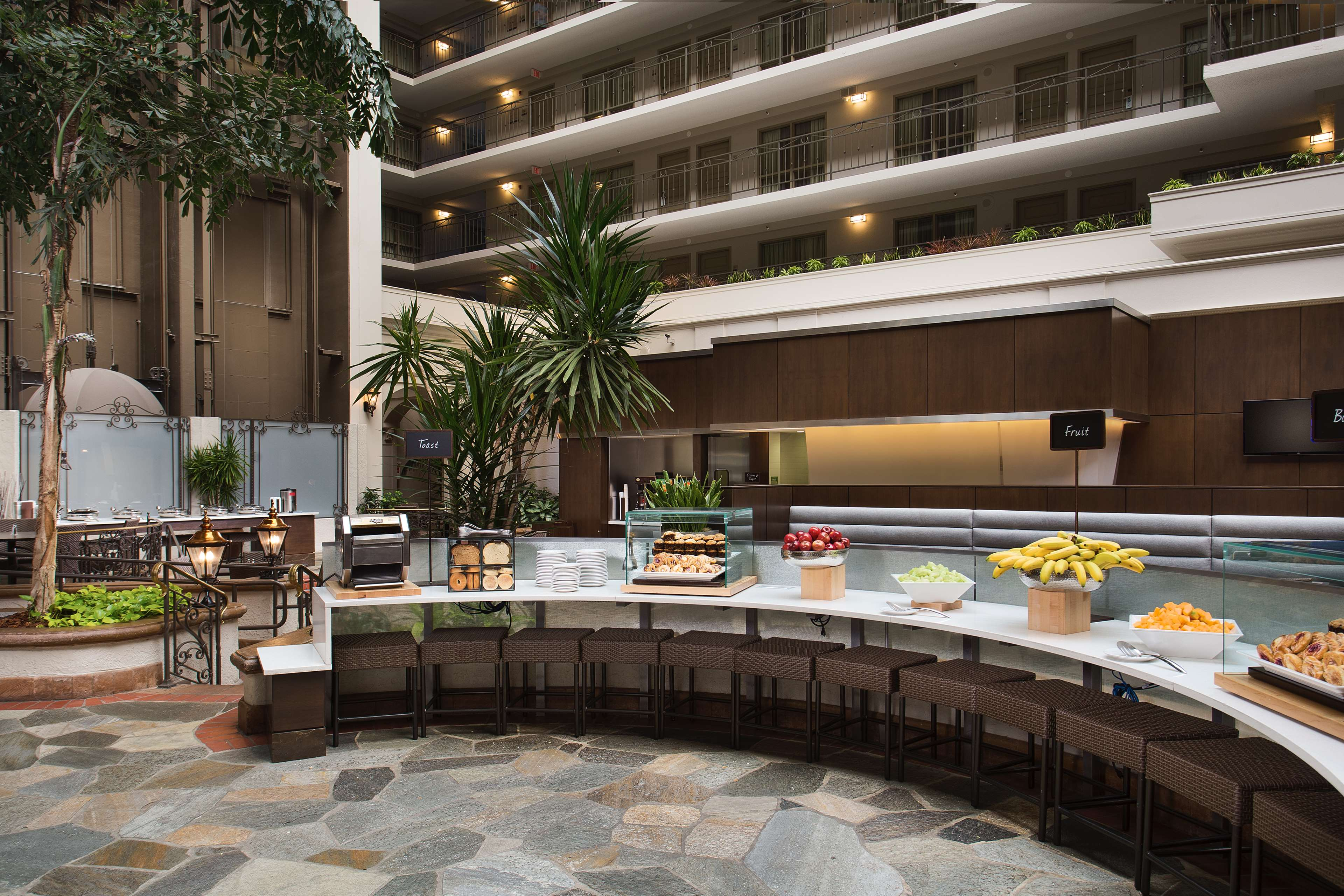 Embassy Suites by Hilton San Francisco Airport Waterfront image 0