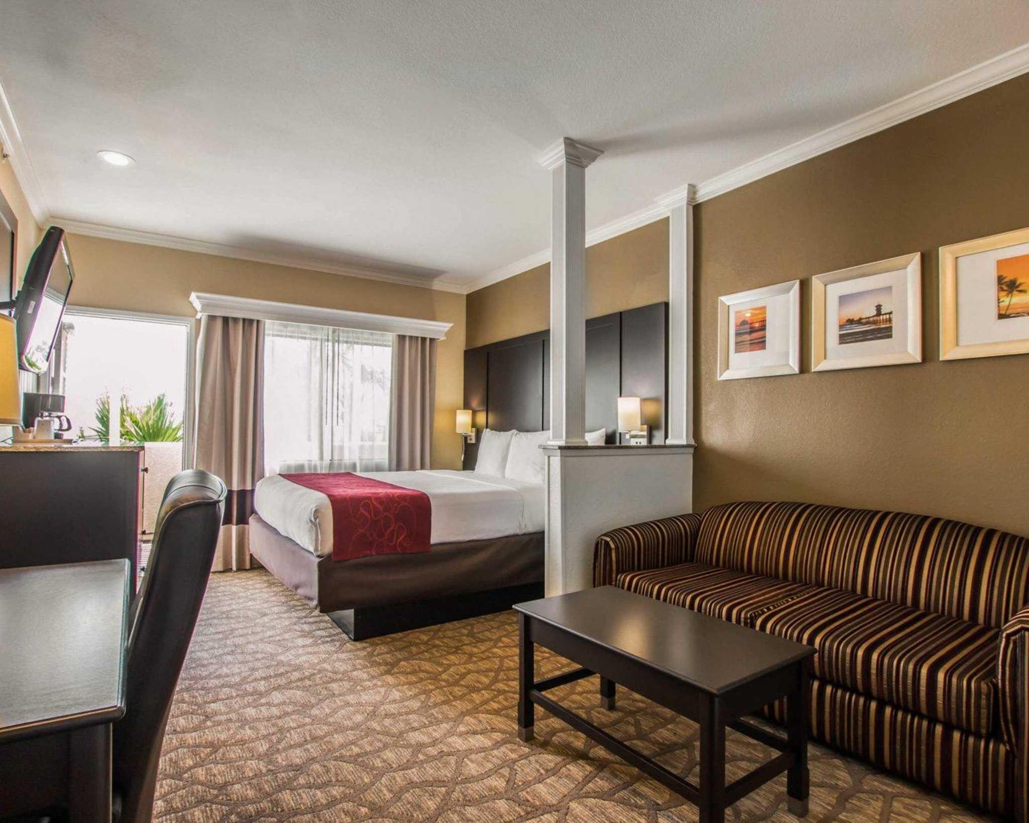 Comfort Suites Huntington Beach image 21