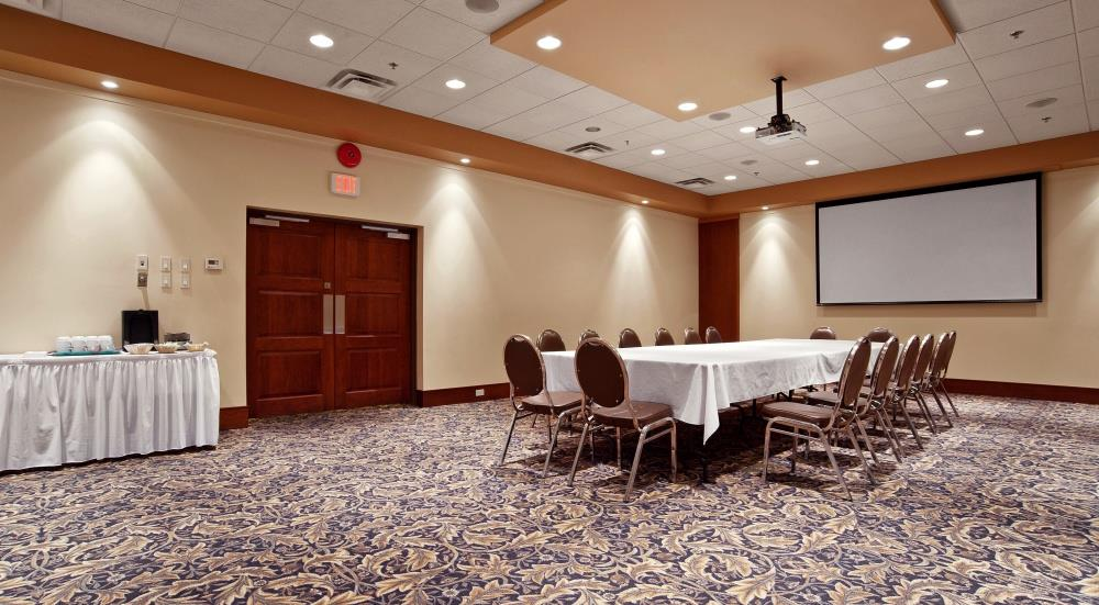 Best Western Plus Barclay Hotel in Port Alberni: We can accommodate from 2 to 200 people.