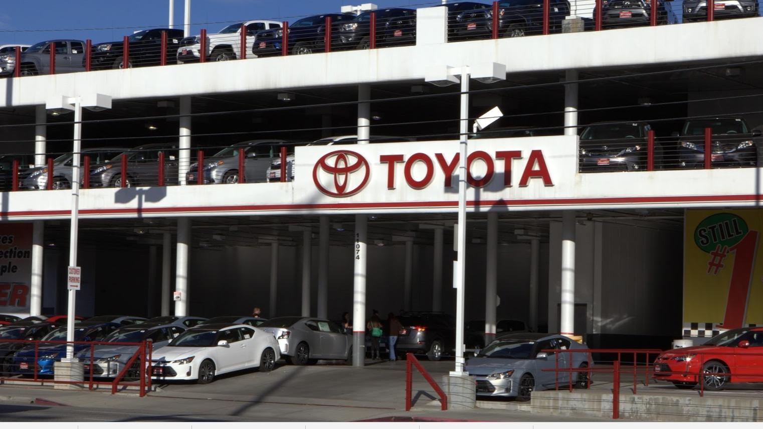 Hamer Toyota in Mission Hills, CA, photo #3