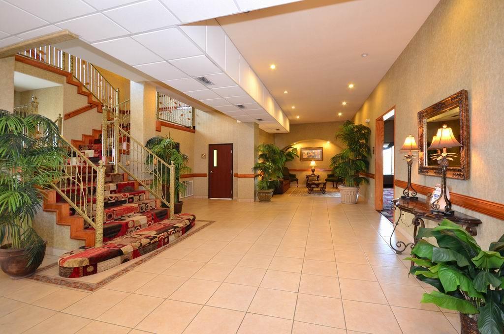 Best Western Casa Villa Suites image 2