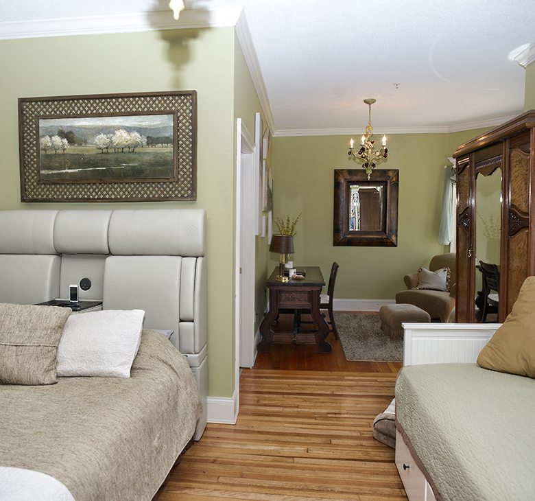 Naomi's Inn Bed and Breakfast image 2