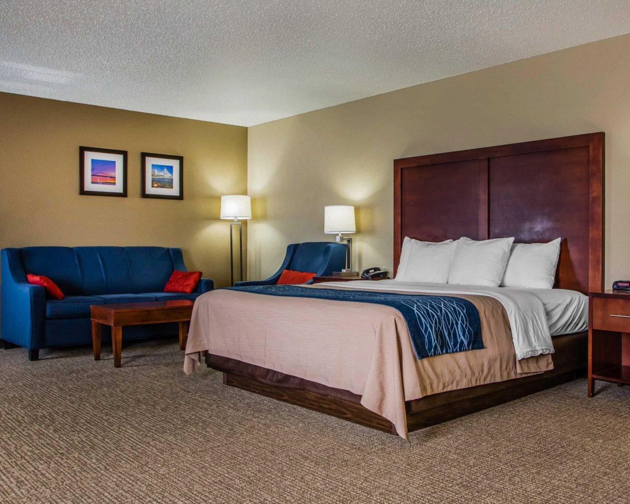 Comfort Inn & Suites Jackson - West Bend image 11