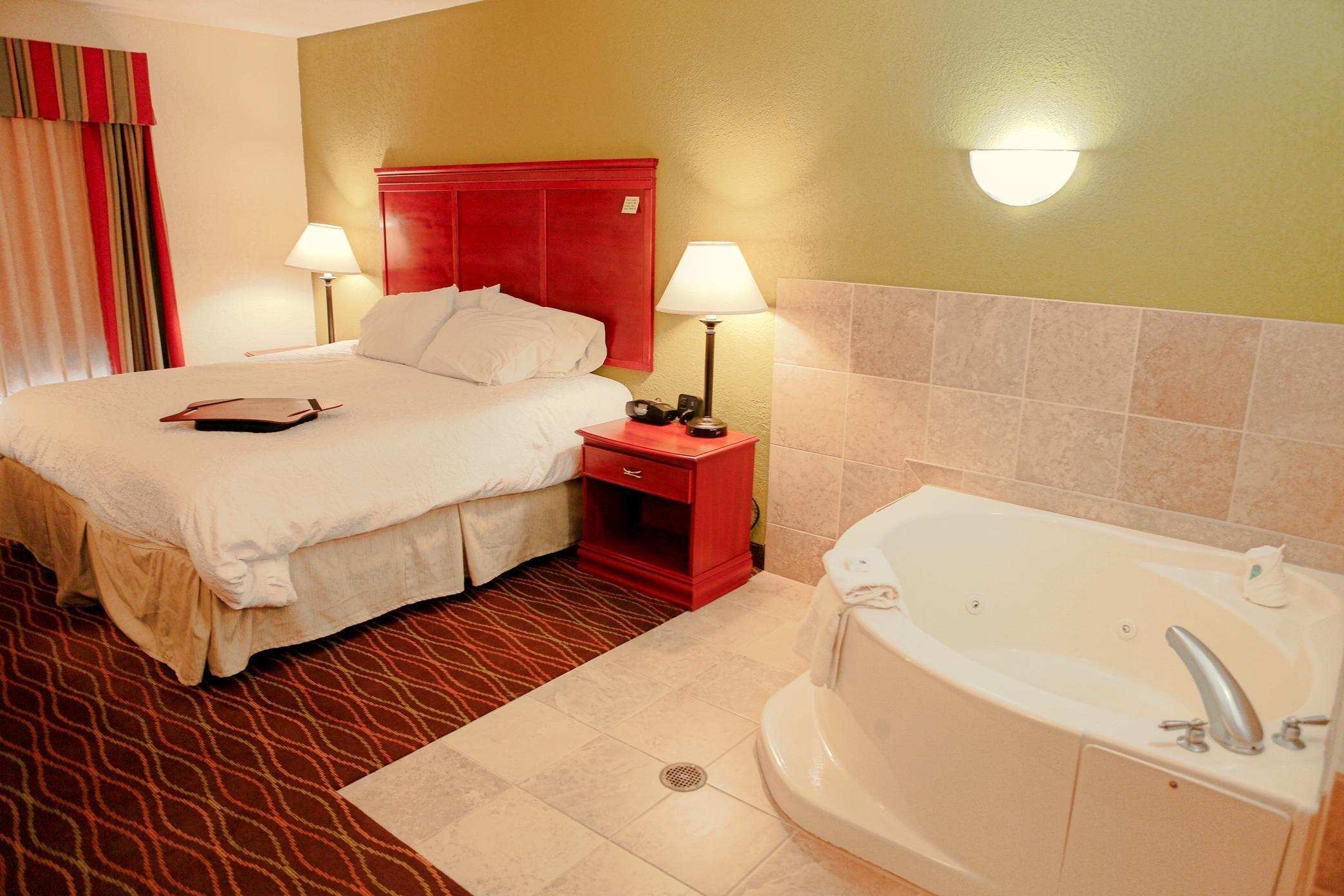 Hampton Inn & Suites Greenfield image 4