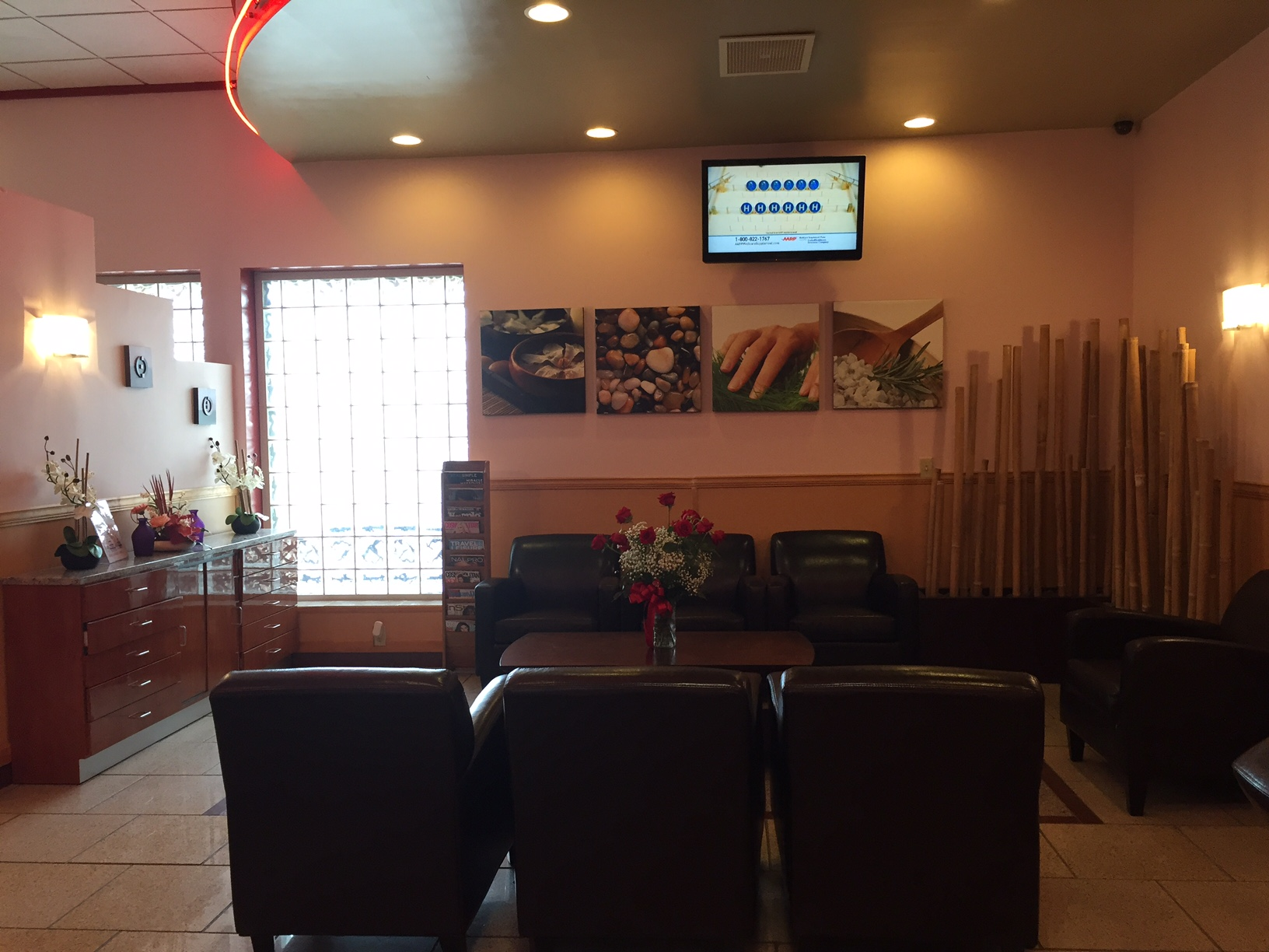 Nail artisans tan spa at 2670 david h mcleod blvd for Salon artisanal