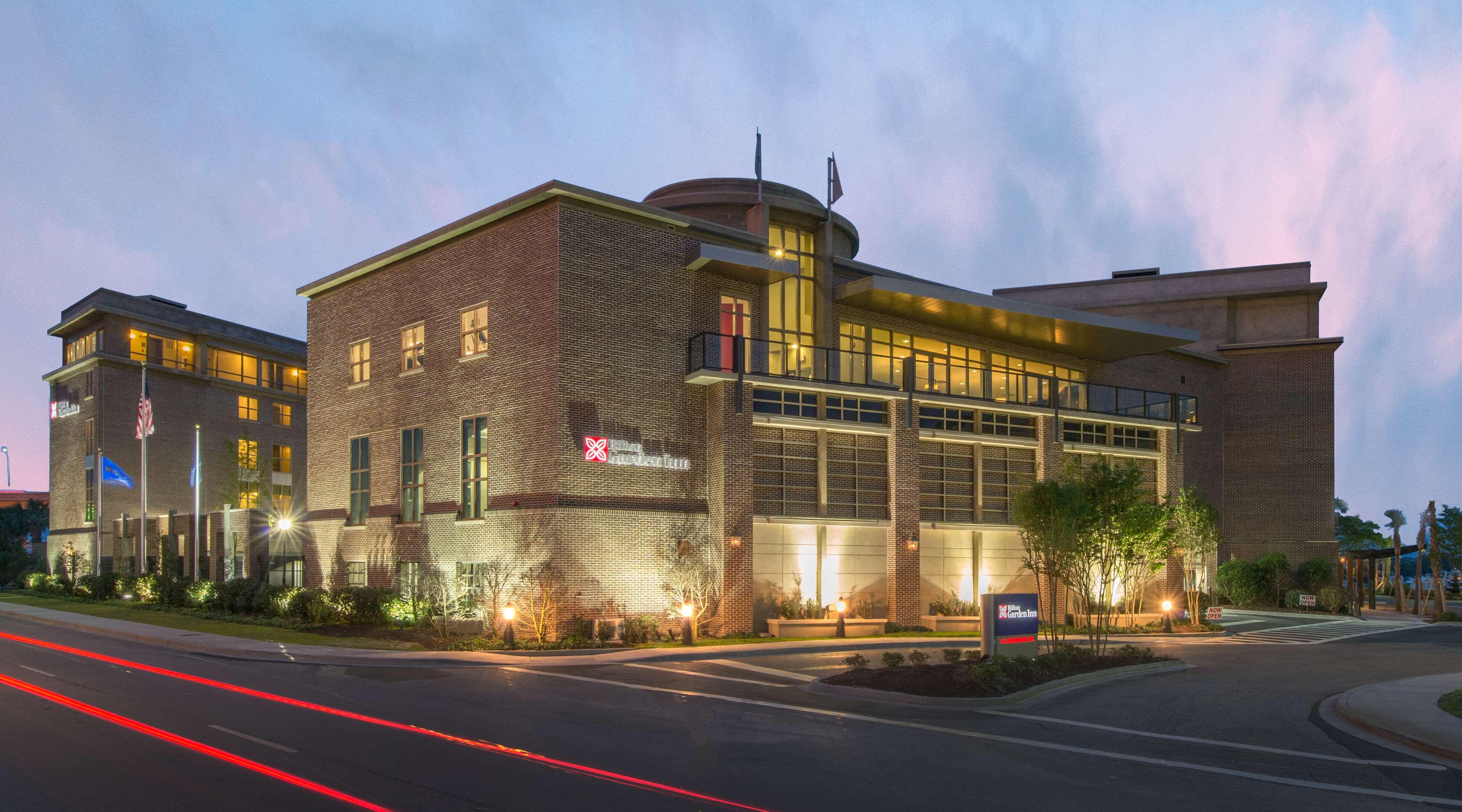 Hilton Garden Inn Charleston Waterfront/Downtown