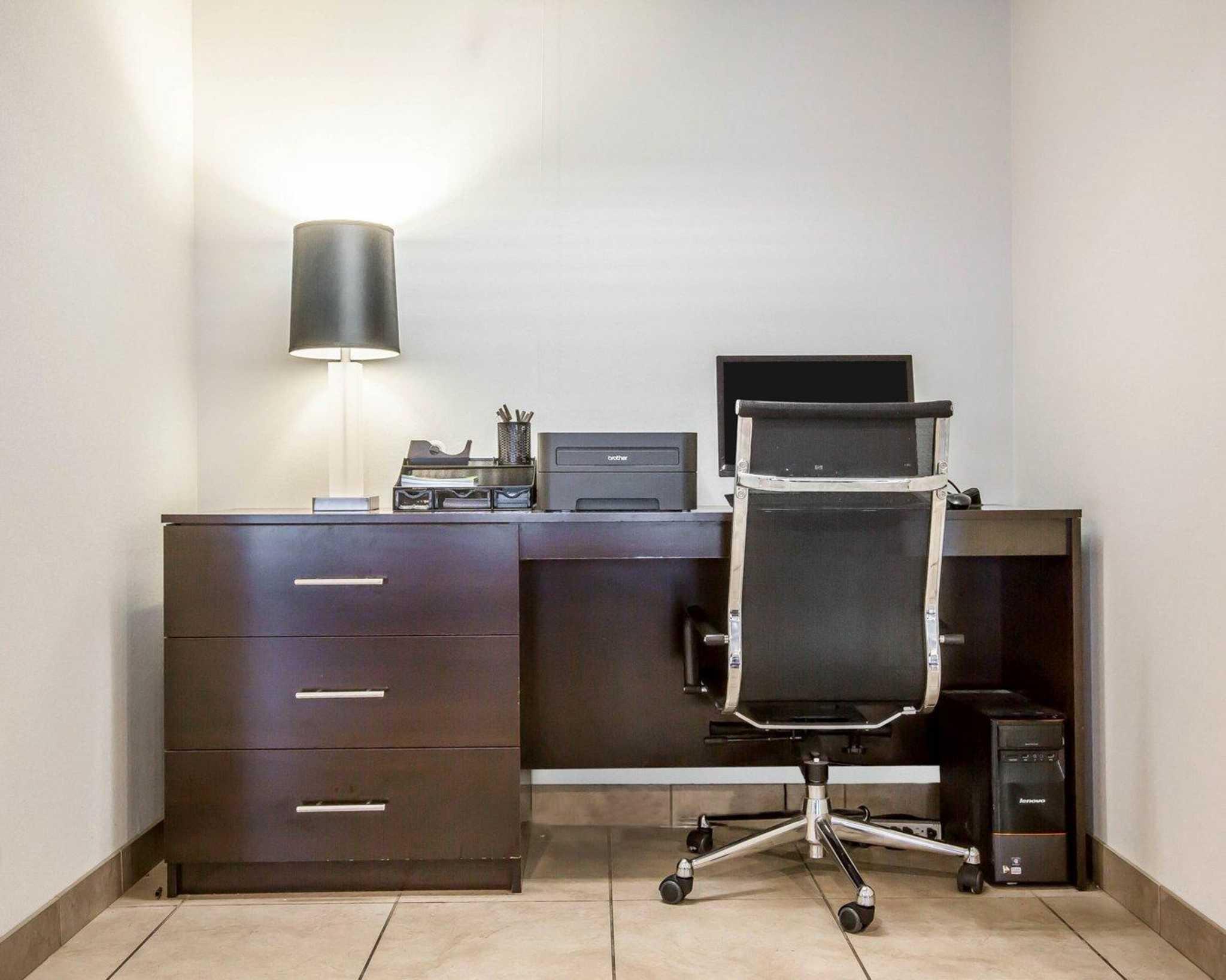 Sleep Inn & Suites image 32