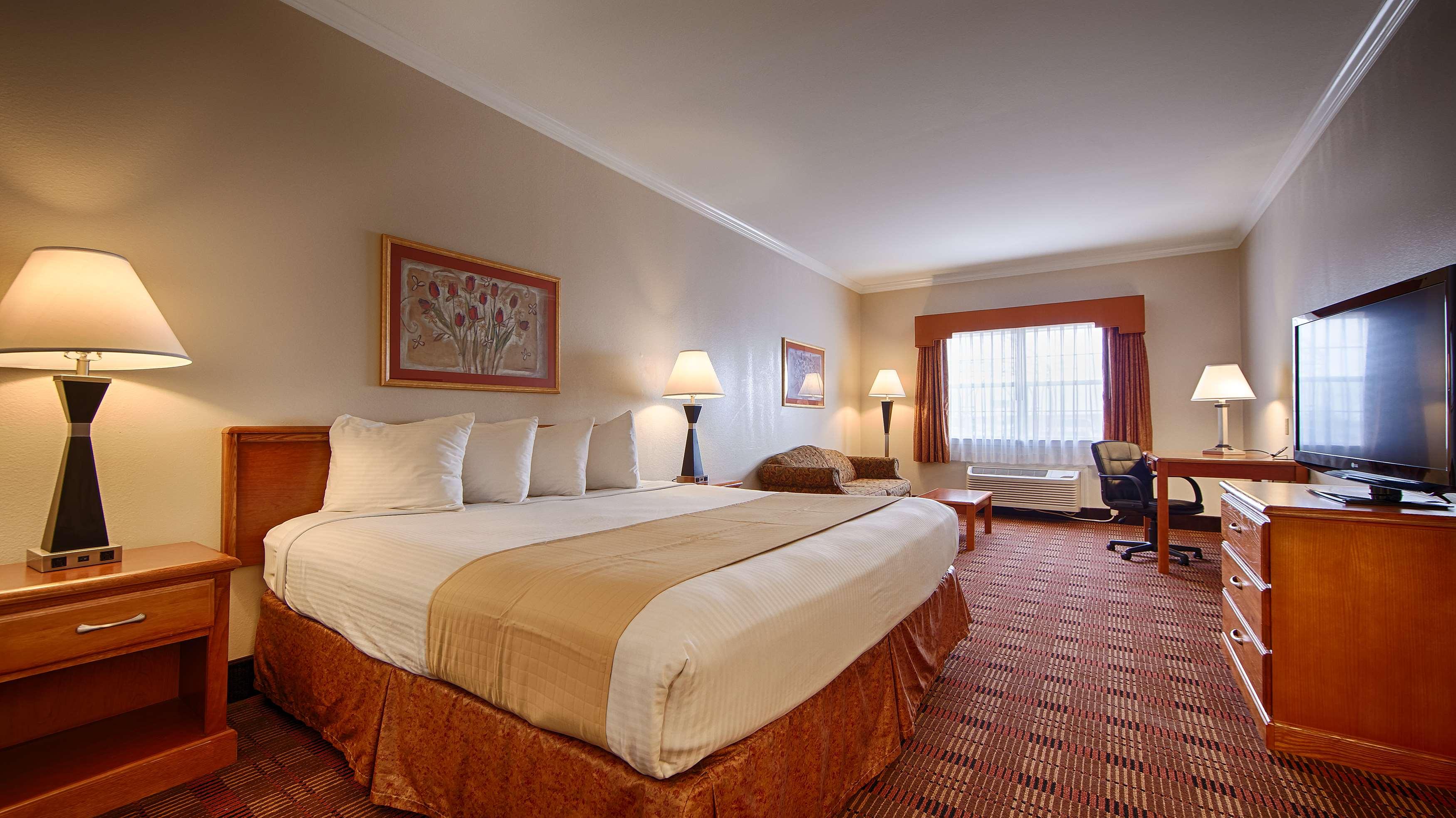 Best Western Club House Inn & Suites image 16
