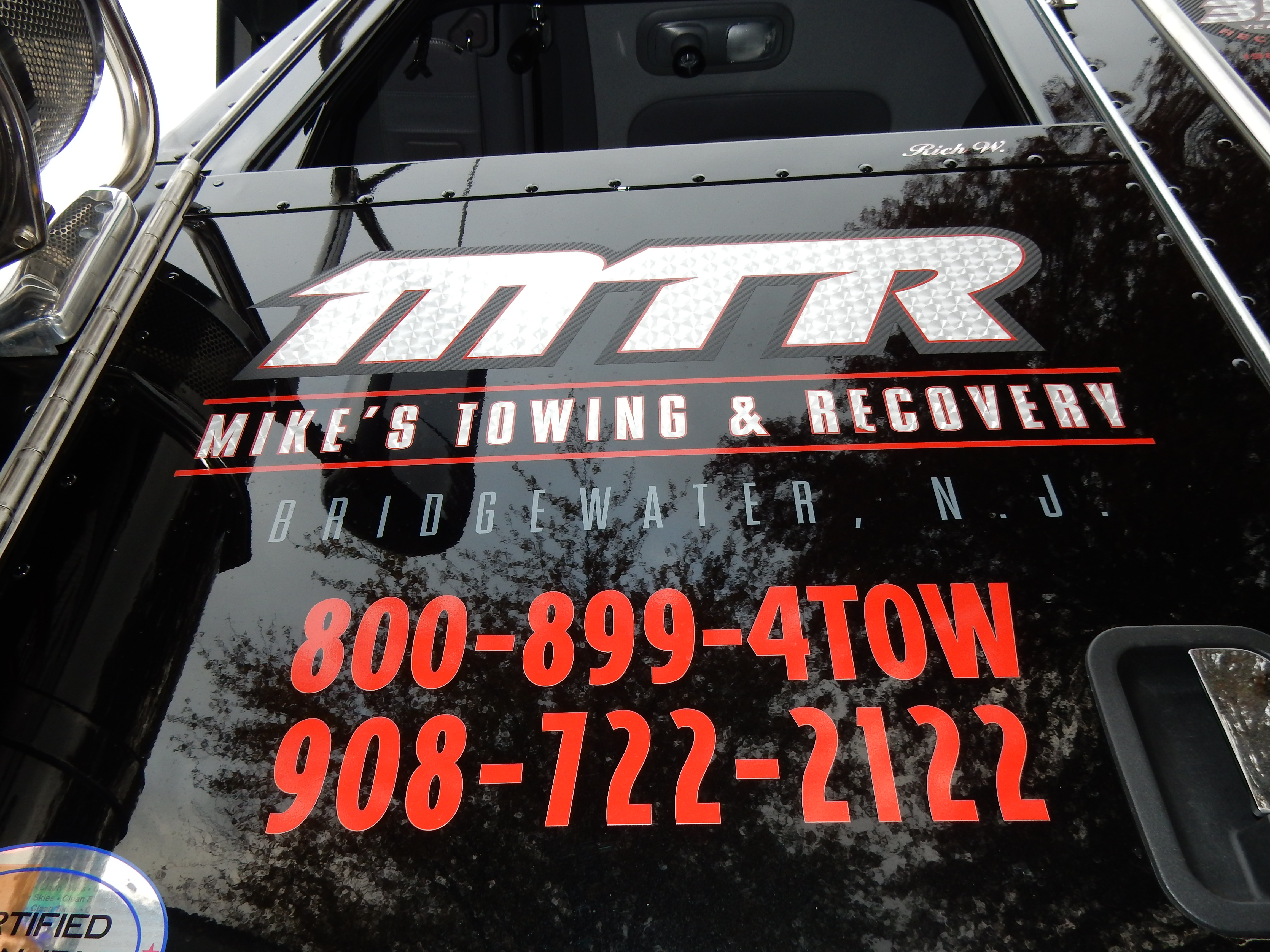 Mike's Towing & Recovery image 31