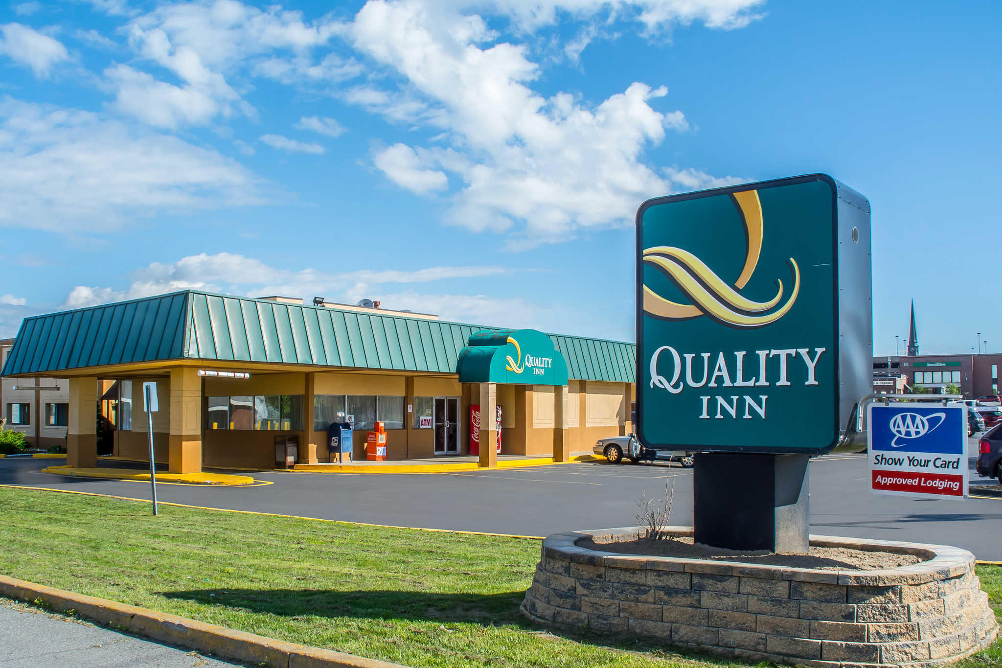 Quality Inn image 1