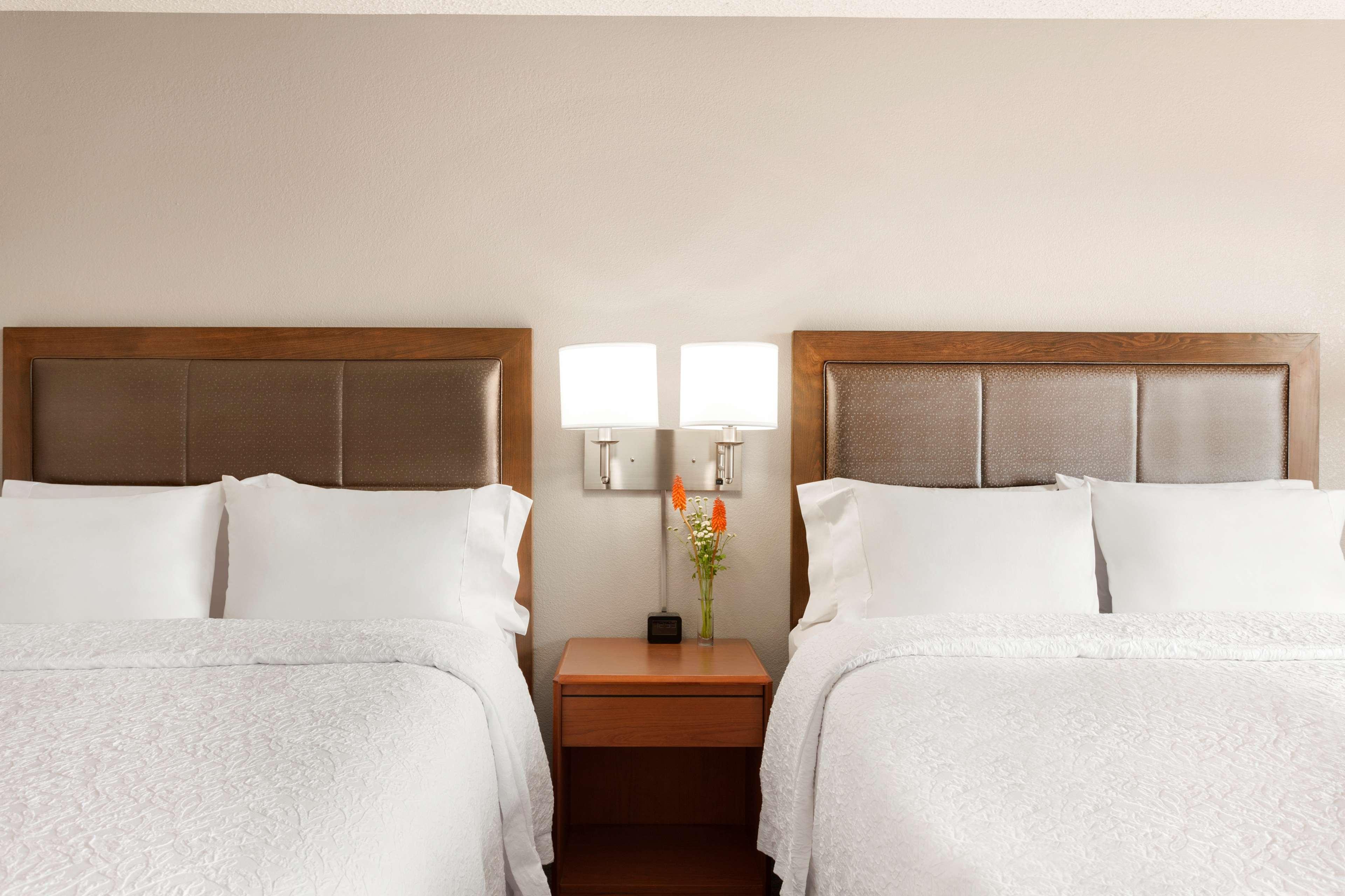 Hampton Inn & Suites Denver-Cherry Creek image 18