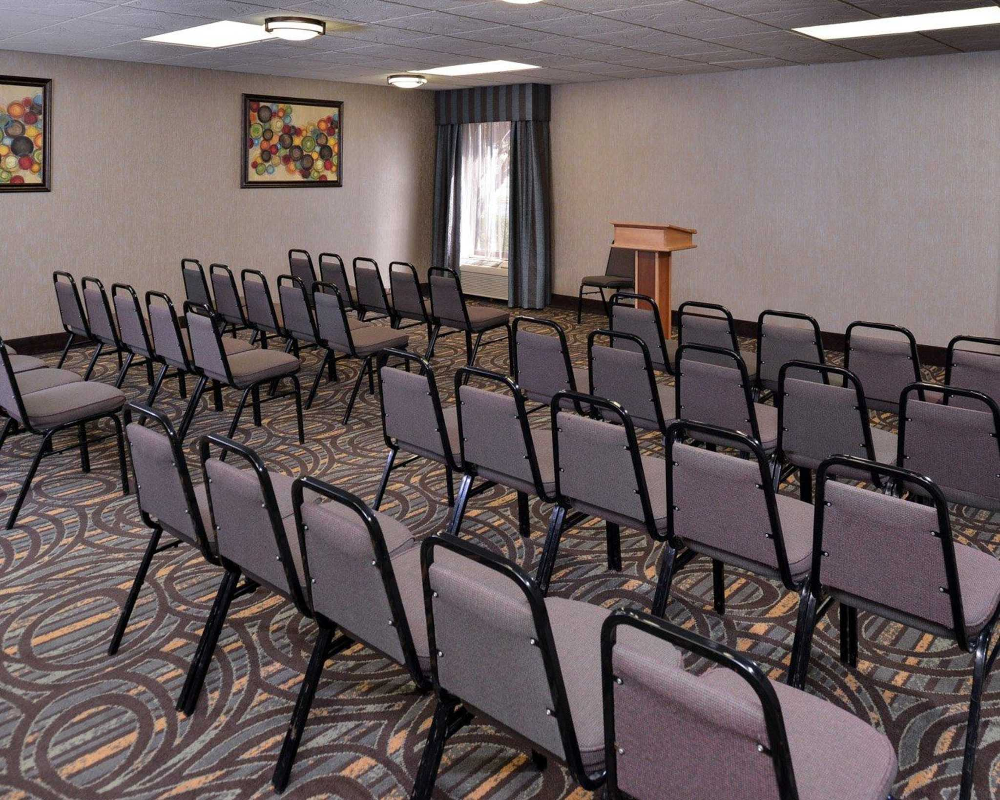 Comfort Inn & Suites at Stone Mountain image 20