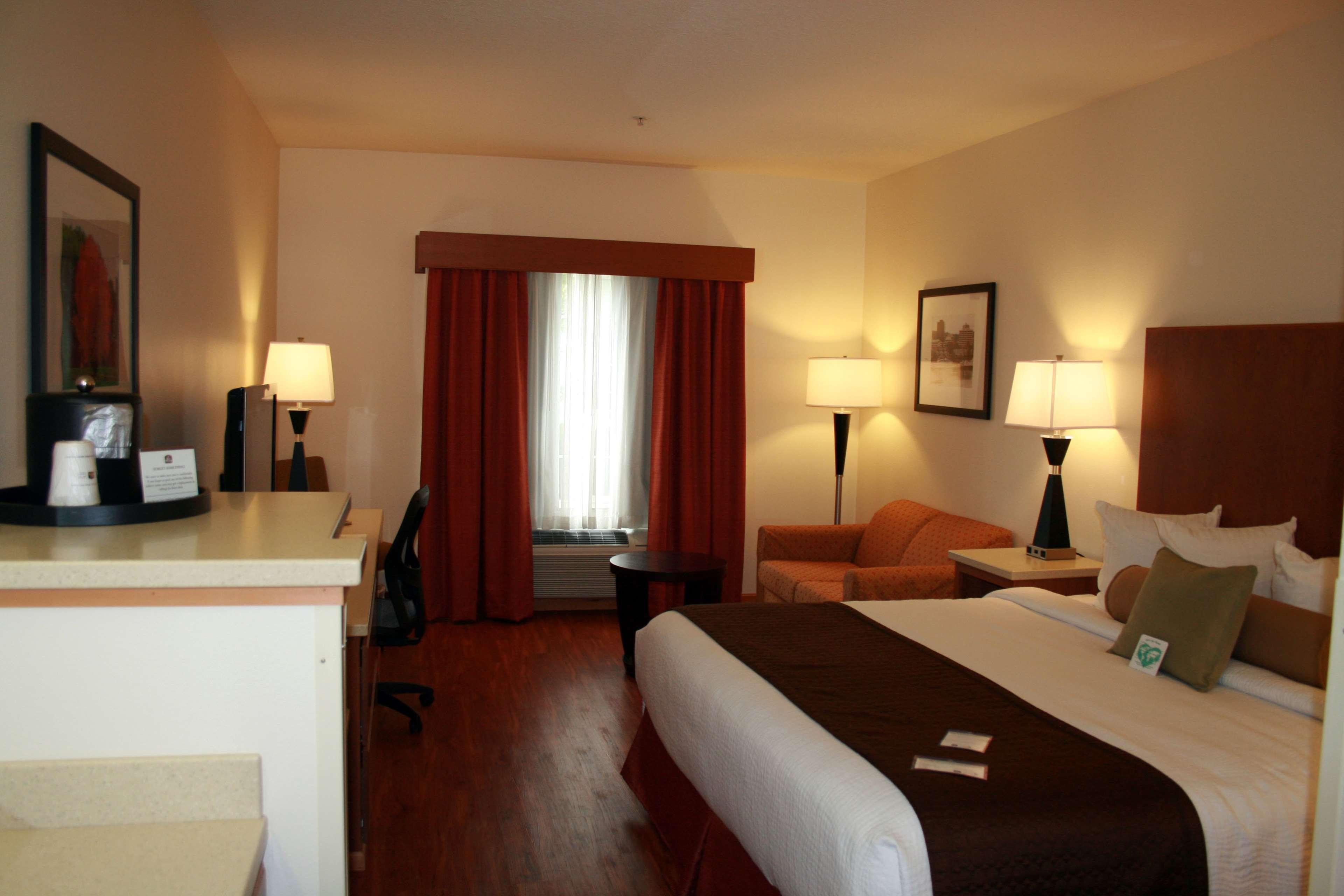 Best Western Plus Park Place Inn & Suites image 28