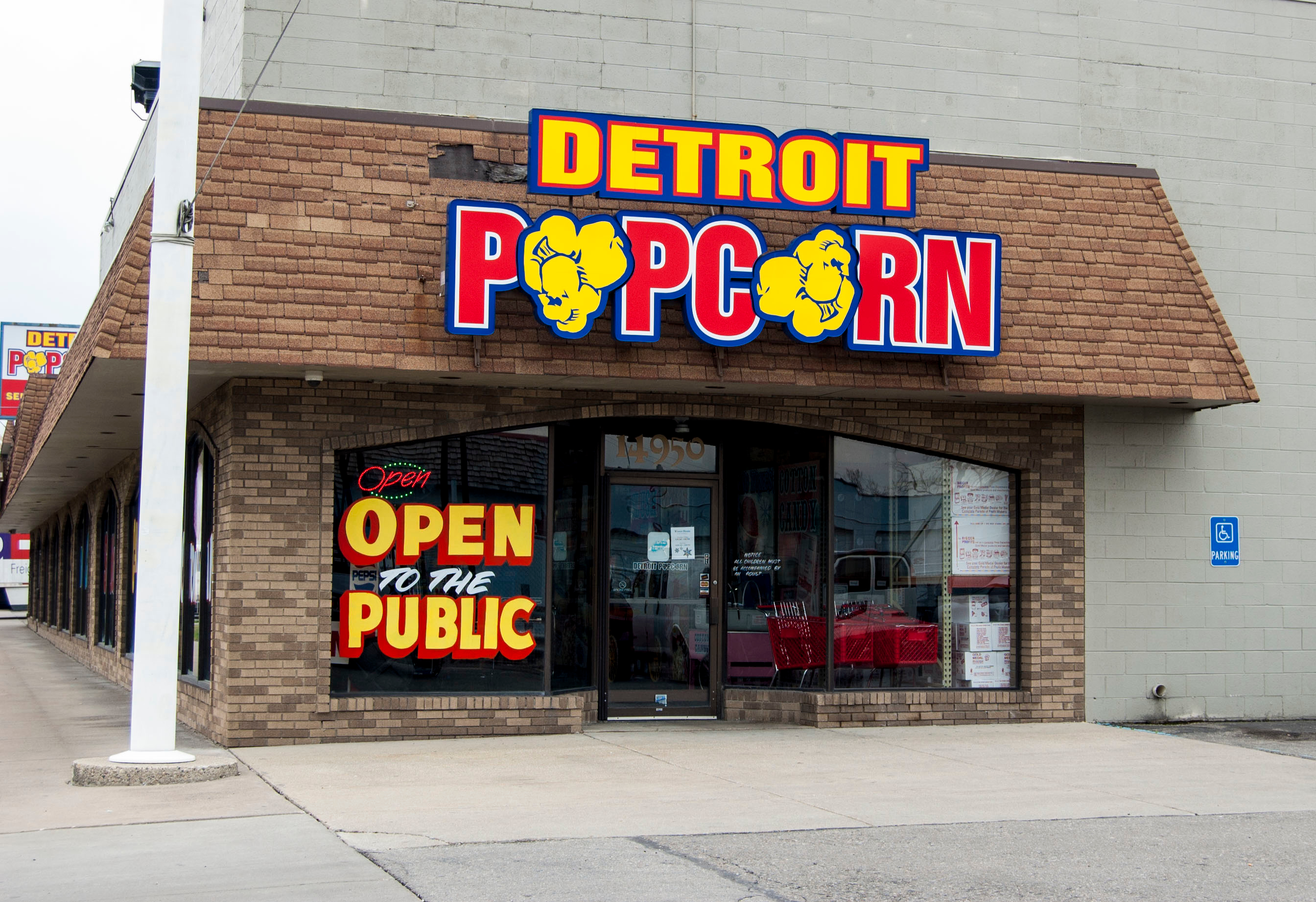 The Giant Popper at Detroit Popcorn Company Pops pounds an hour to sell to movie theaters.