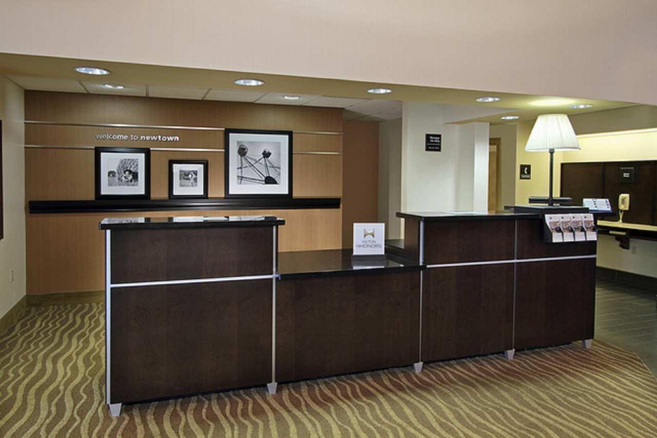 Hampton Inn & Suites Newtown image 6