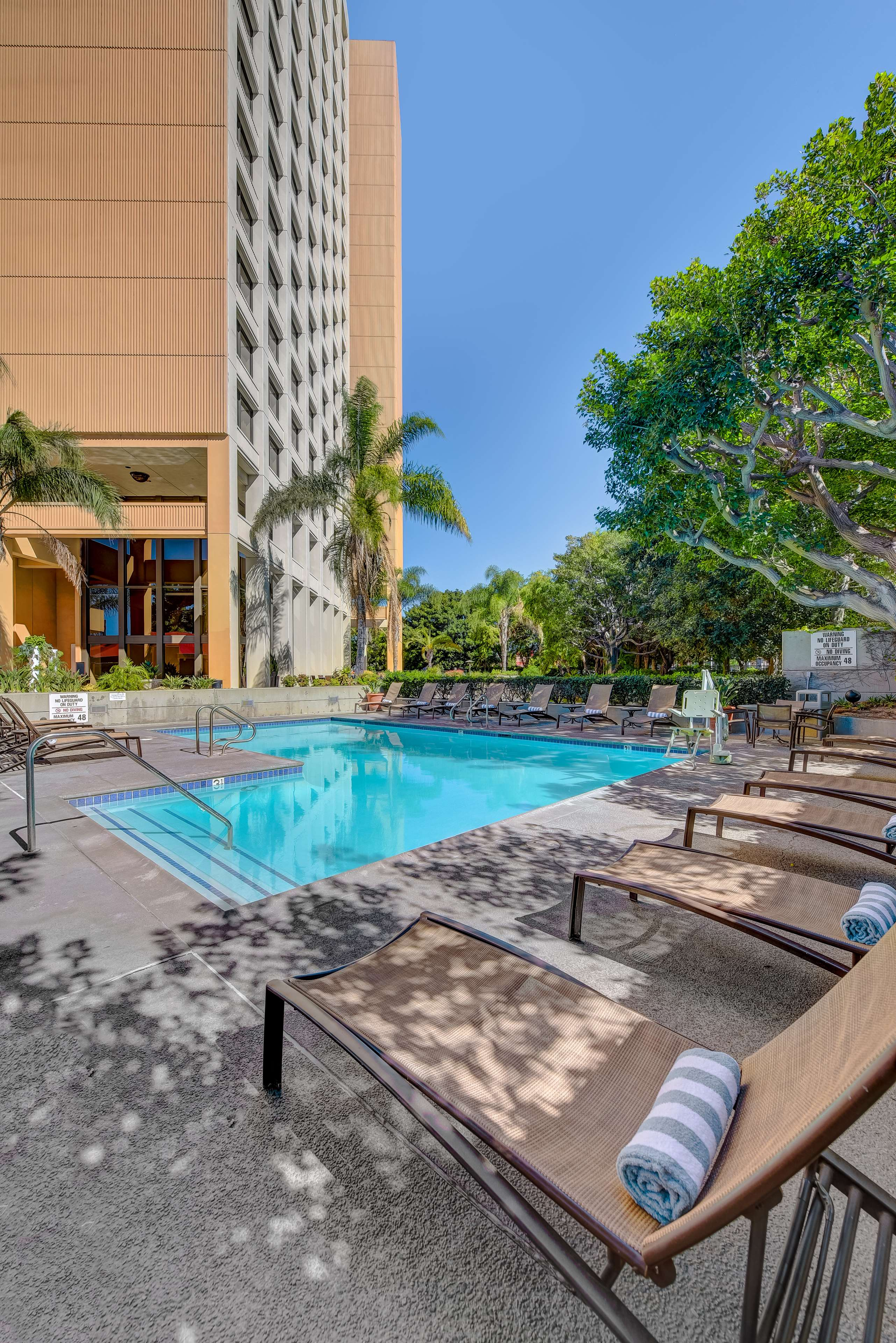 DoubleTree by Hilton Hotel Anaheim - Orange County image 18