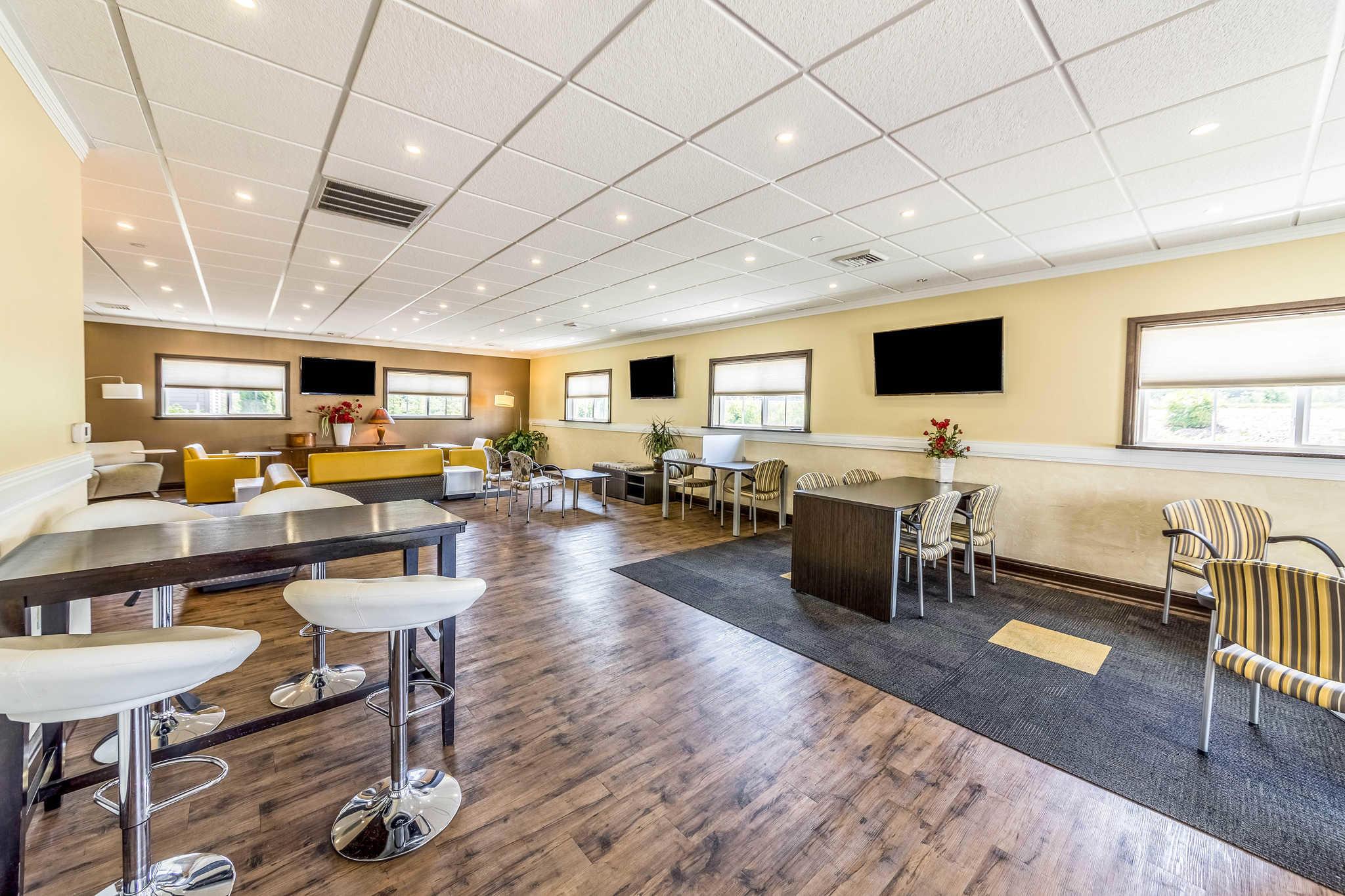 Comfort Inn & Suites Barnesville - Frackville image 4