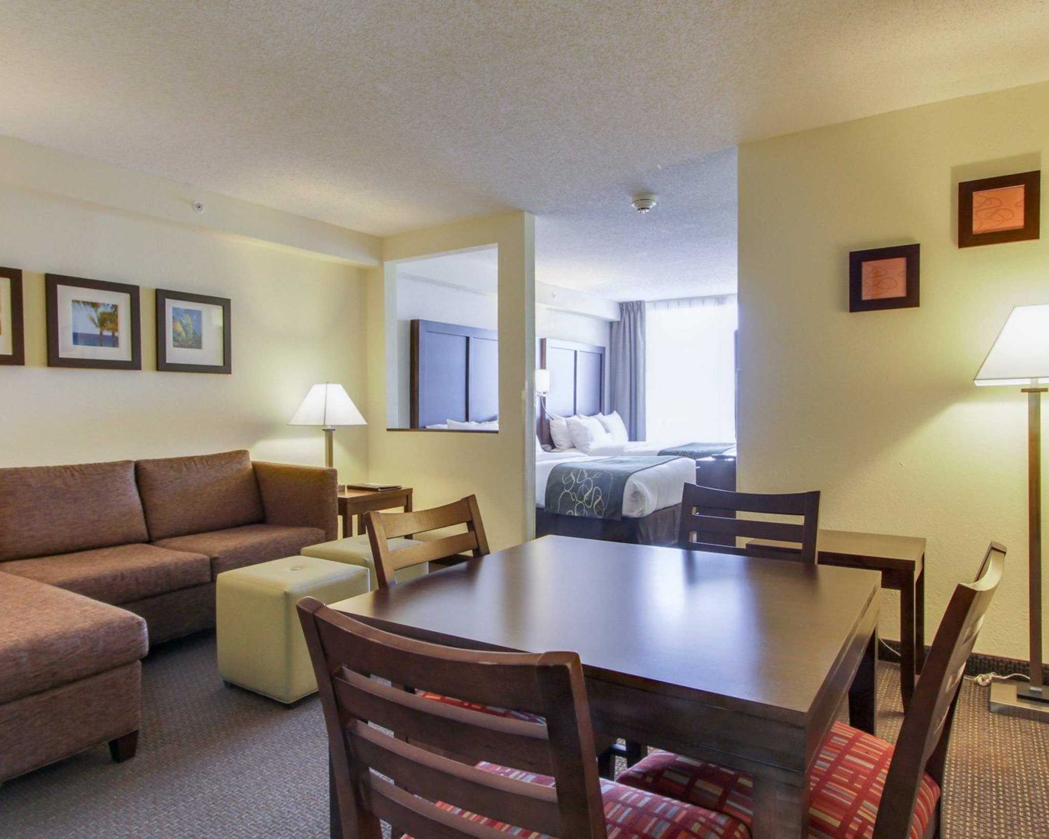 Comfort Suites Weston - Sawgrass Mills South image 21