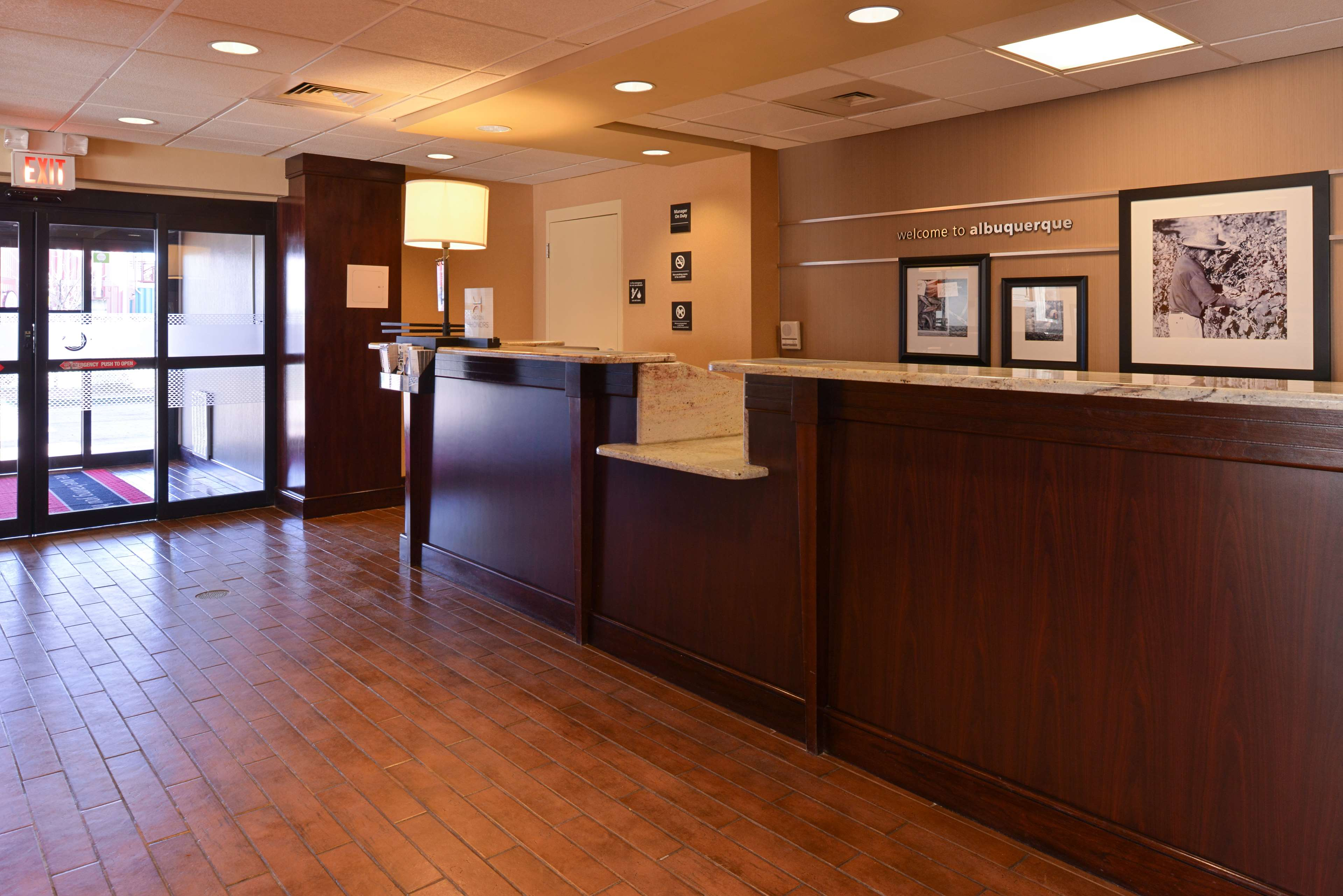 Hampton Inn Albuquerque-University/Midtown image 3