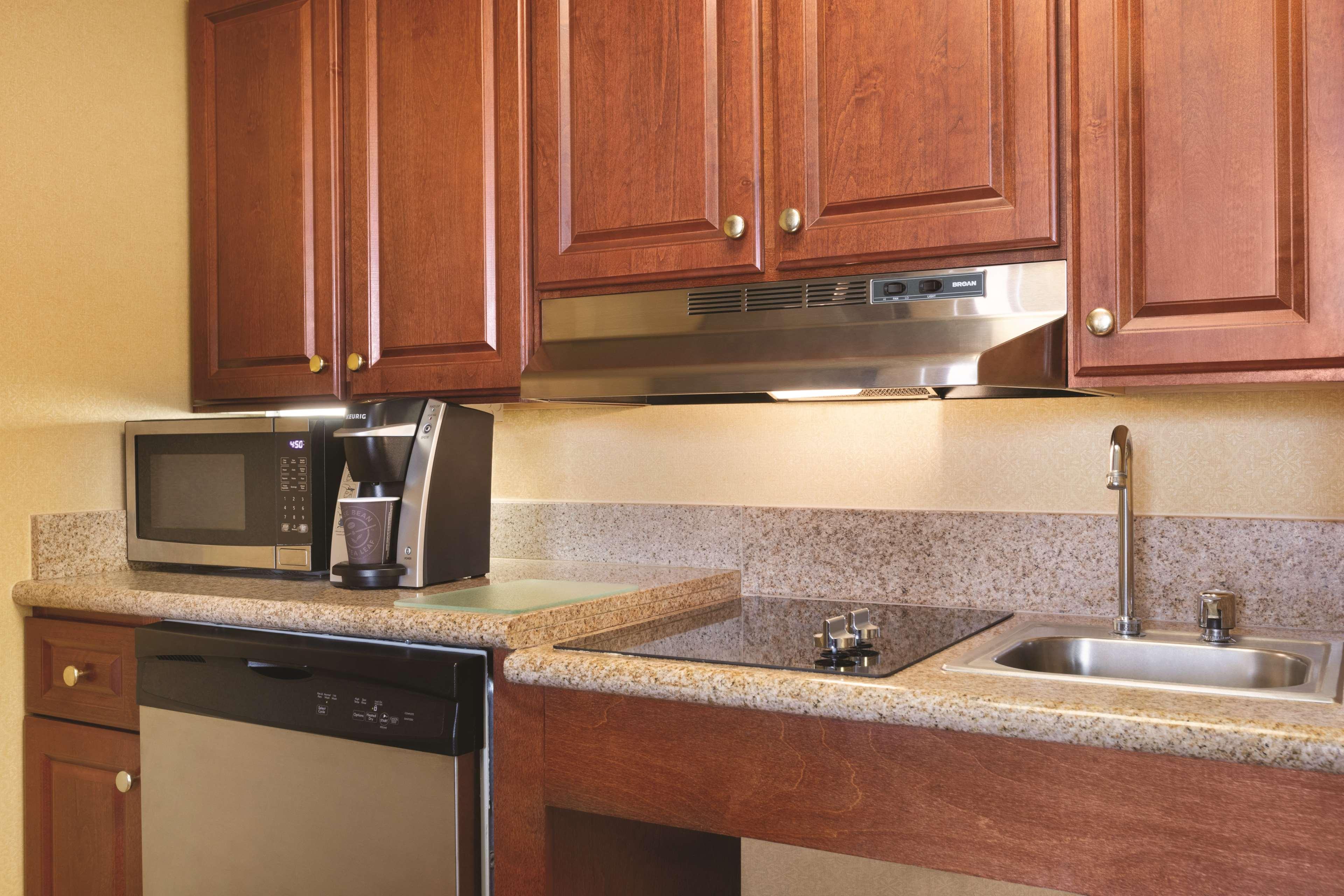 Homewood Suites by Hilton Detroit-Troy image 22