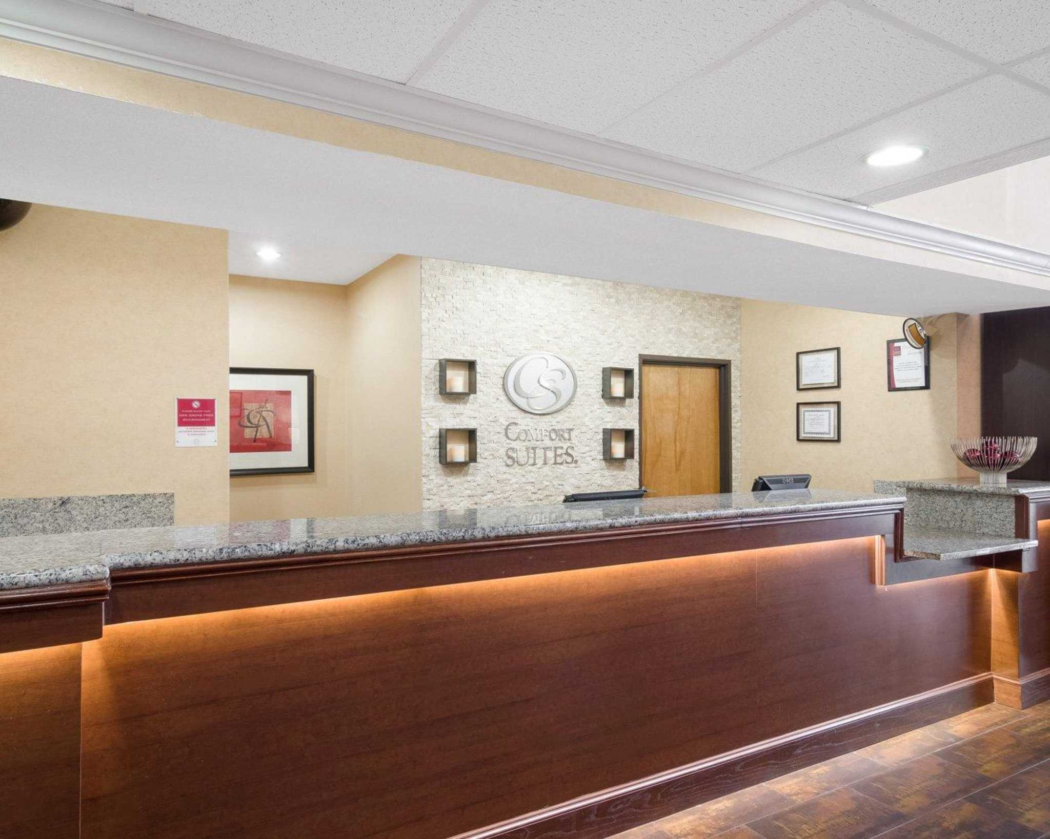 Comfort Suites Las Colinas Center image 11