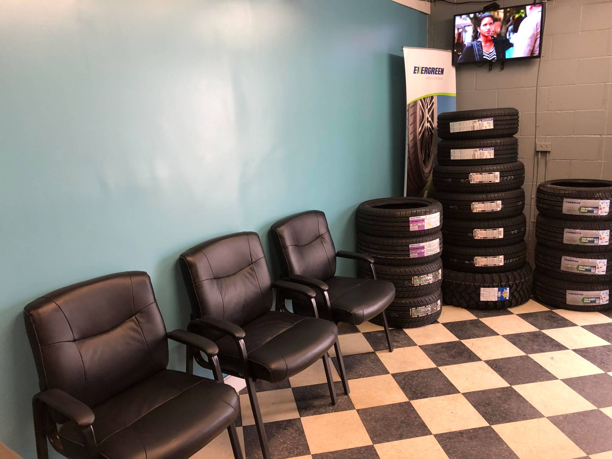 Bank Street Tires & Auto Glass in Ottawa