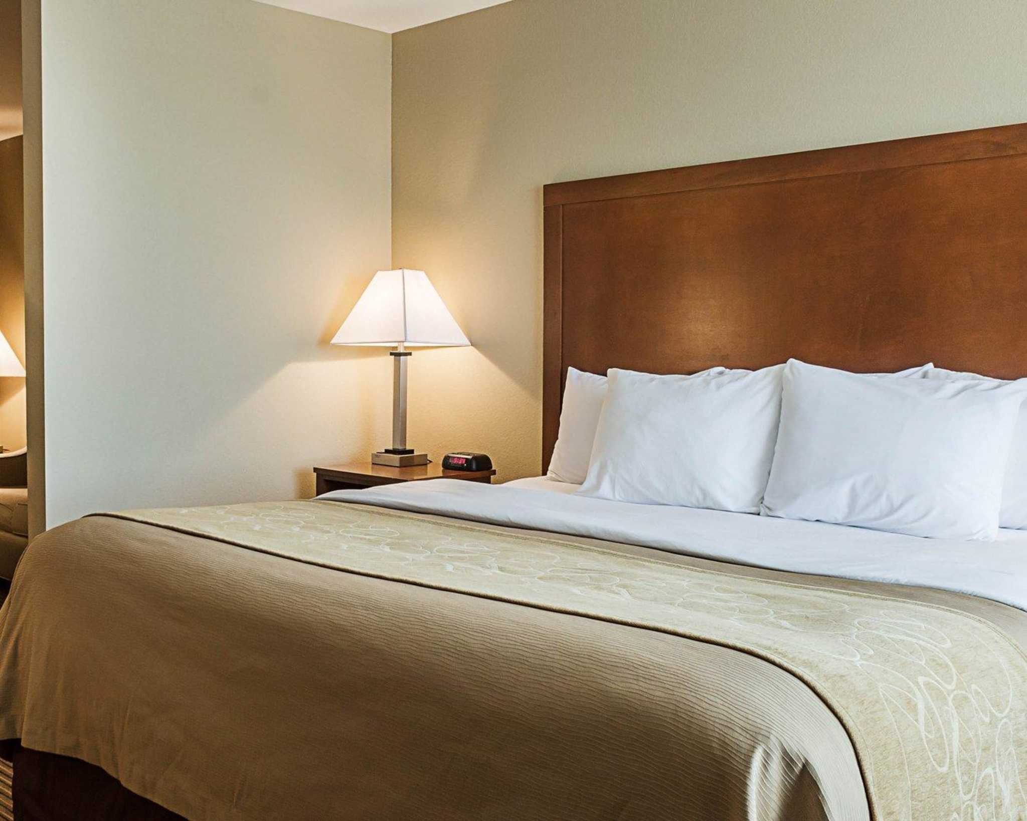 Comfort Inn Amp Suites Watford City Nd Business Directory