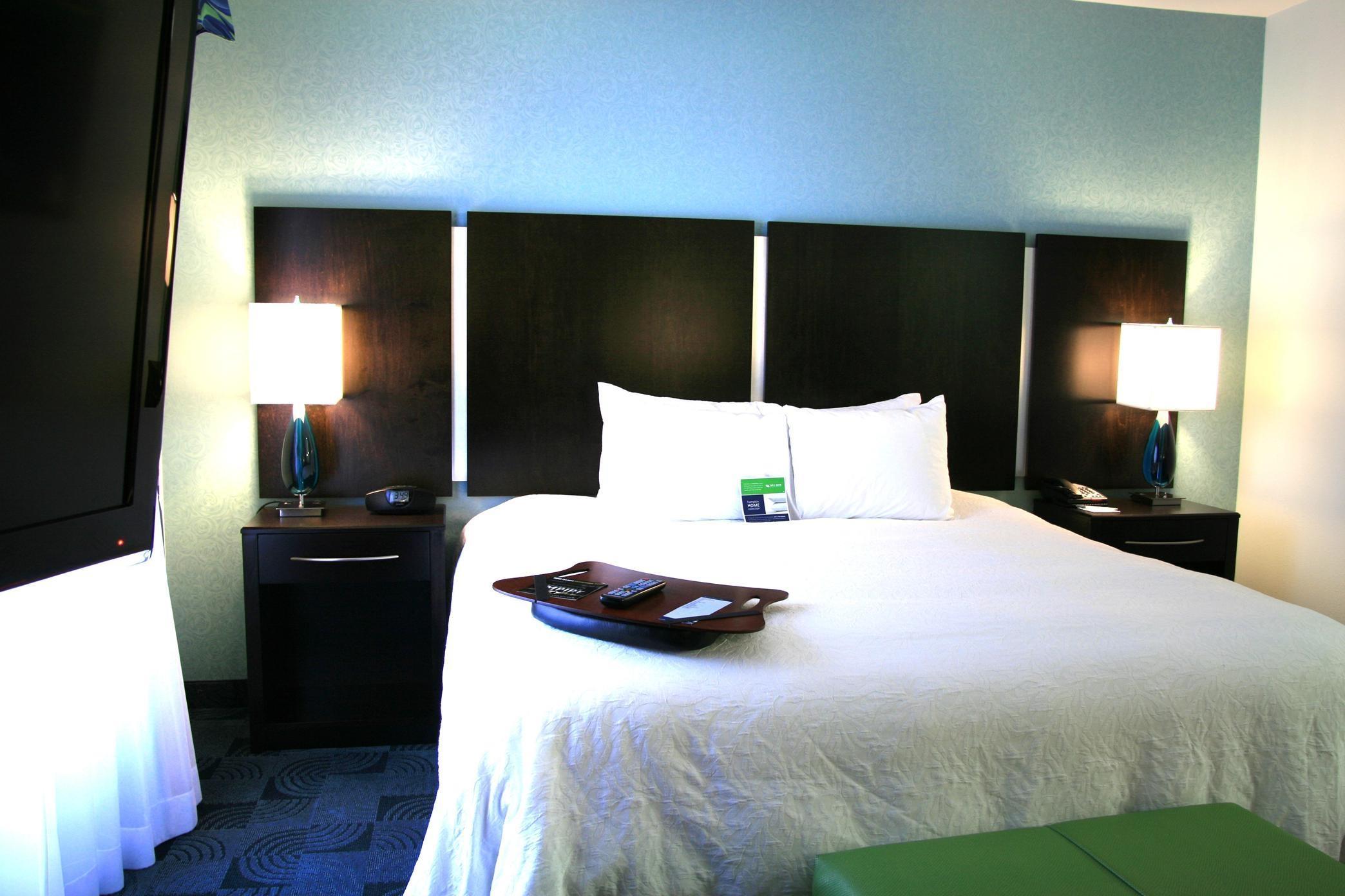 Hampton Inn & Suites Dallas/Lewisville-Vista Ridge Mall, TX image 22