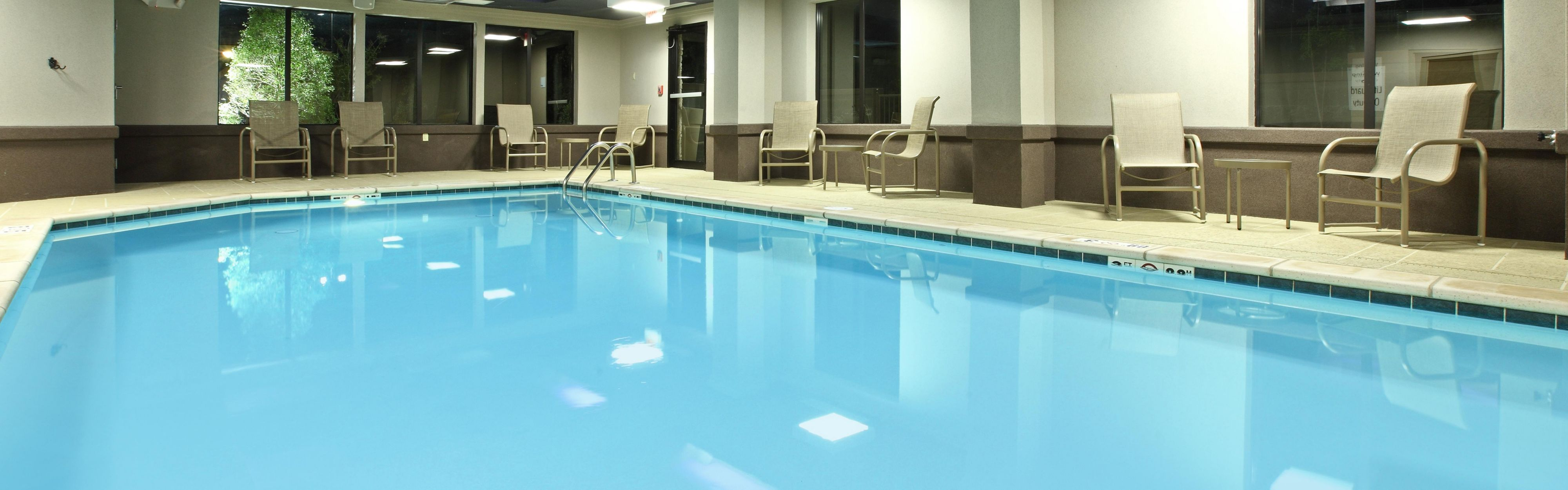 Holiday Inn Express & Suites Maumelle - Little Rock NW image 2