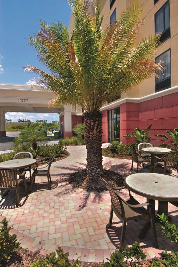 Hampton Inn & Suites Tampa-Wesley Chapel image 0
