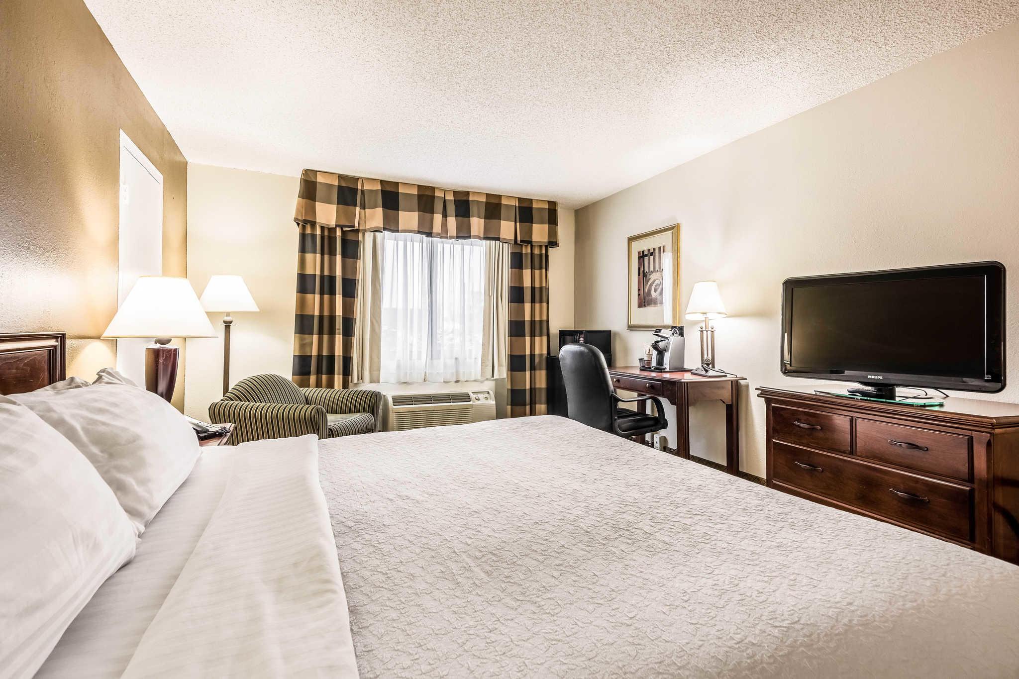 Quality Inn near Finger Lakes and Seneca Falls image 11