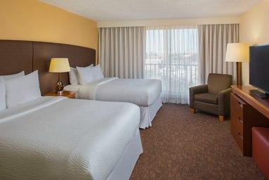 Four Points by Sheraton Suites Tampa Airport Westshore image 3