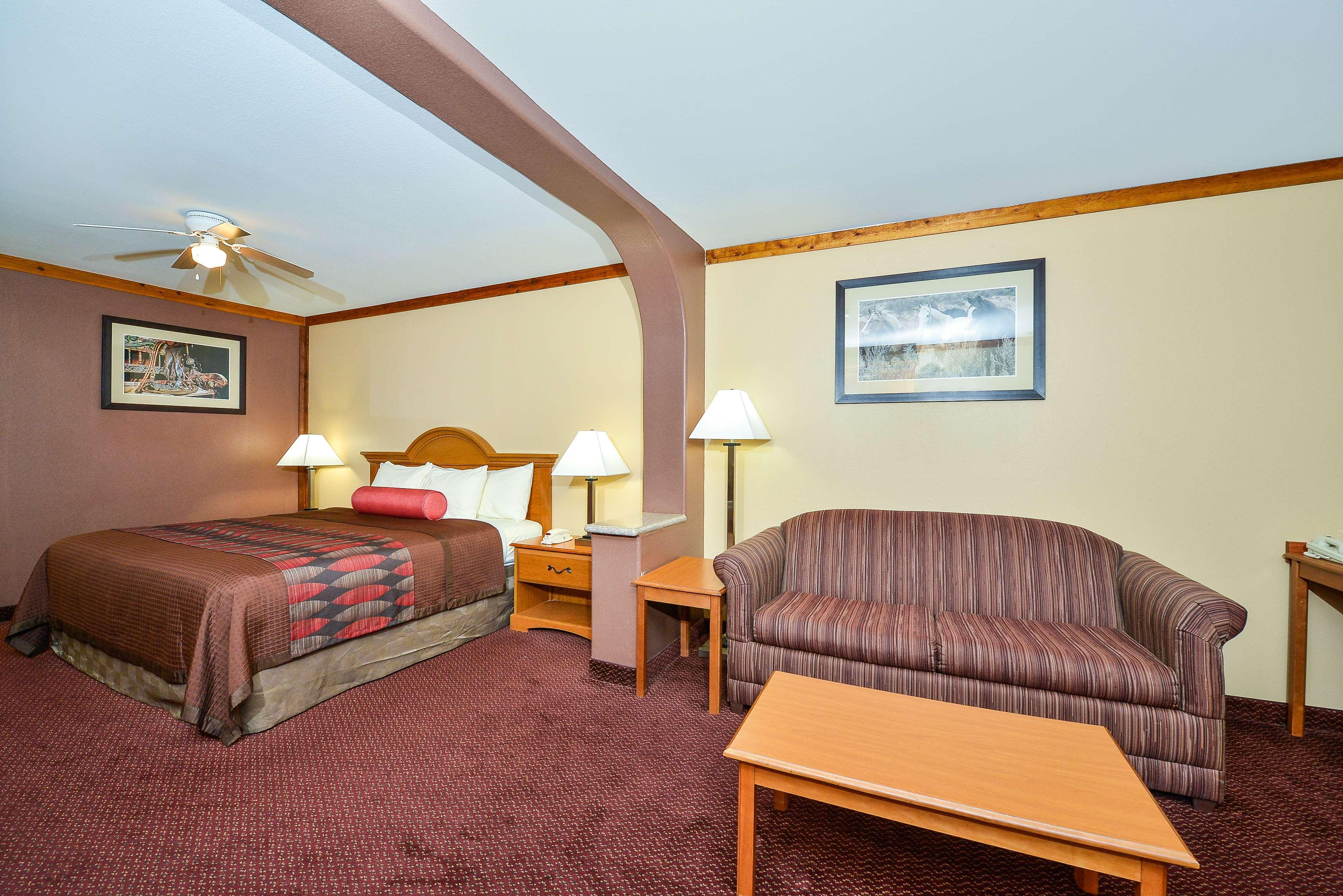 Best Western Windwood Inn & Suites image 25