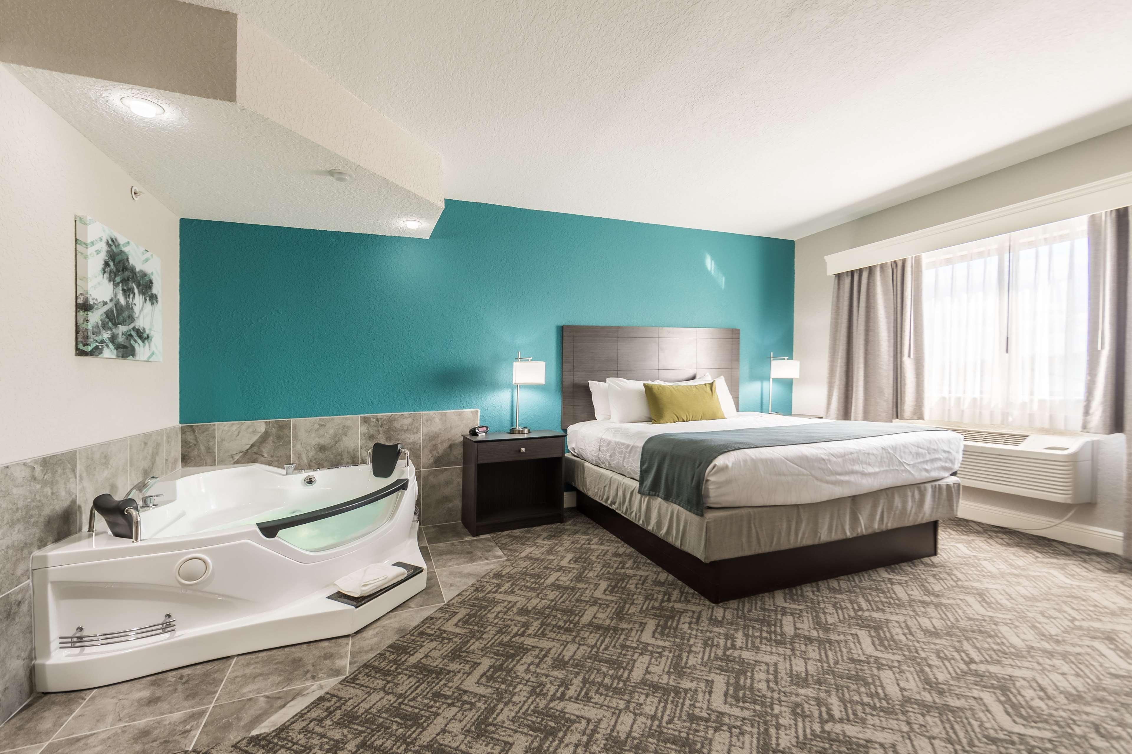 Best Western Plus Sebastian Hotel & Suites image 48