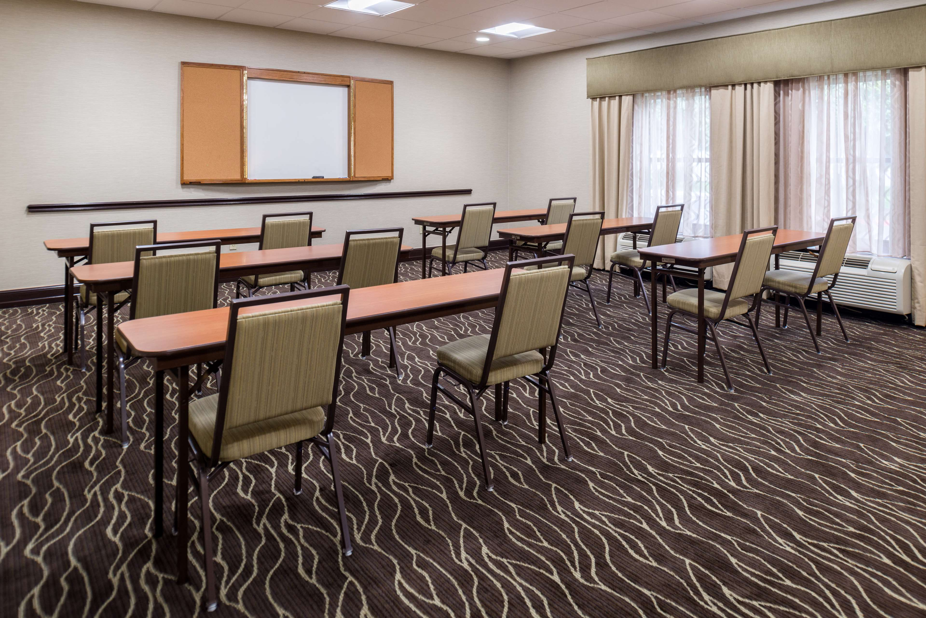 Hampton Inn San Antonio-Northwoods image 14