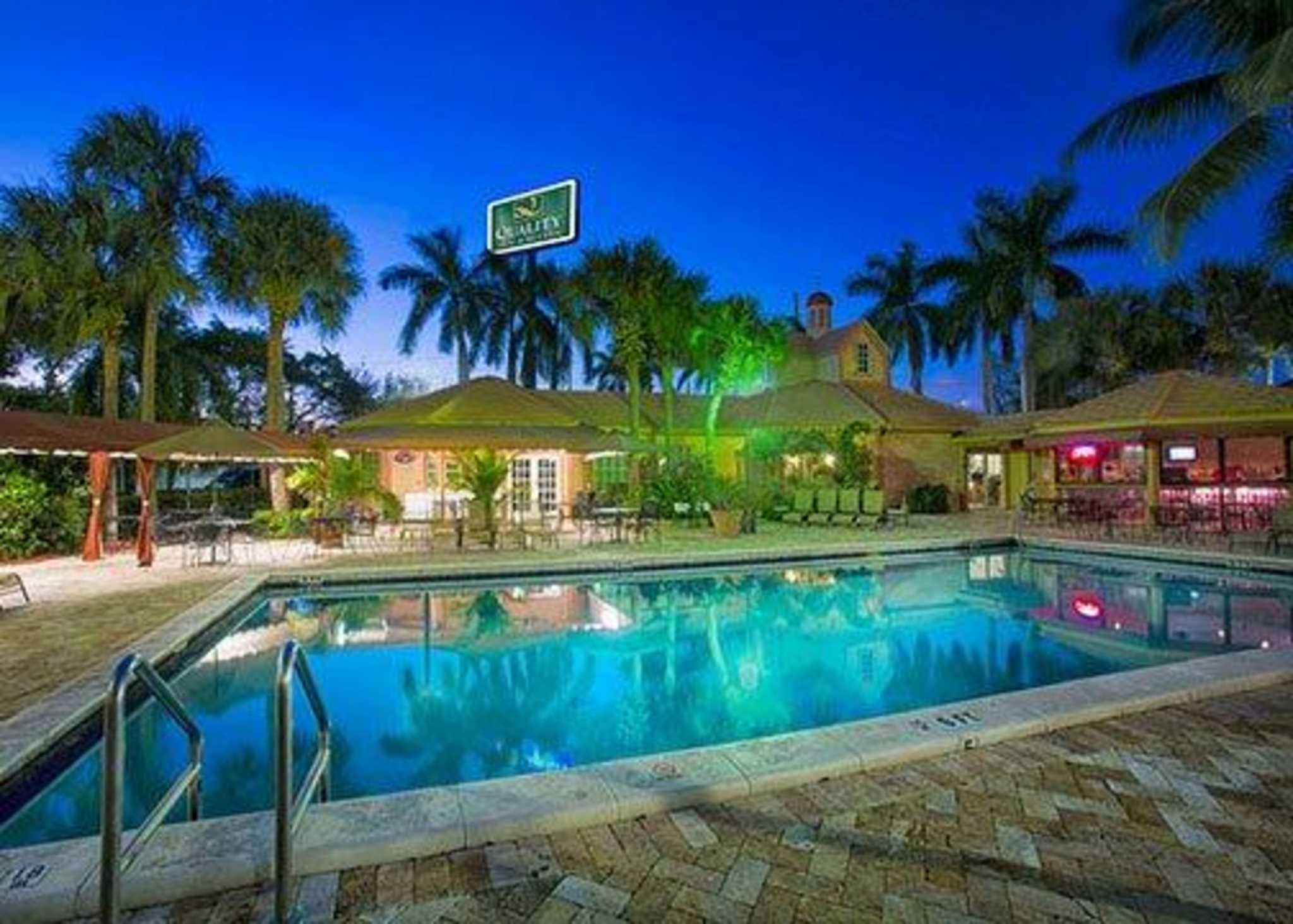 Quality Inn Suites Airport Cruise Port South At 2520 Stirling Rd Hollywood Fl On Fave