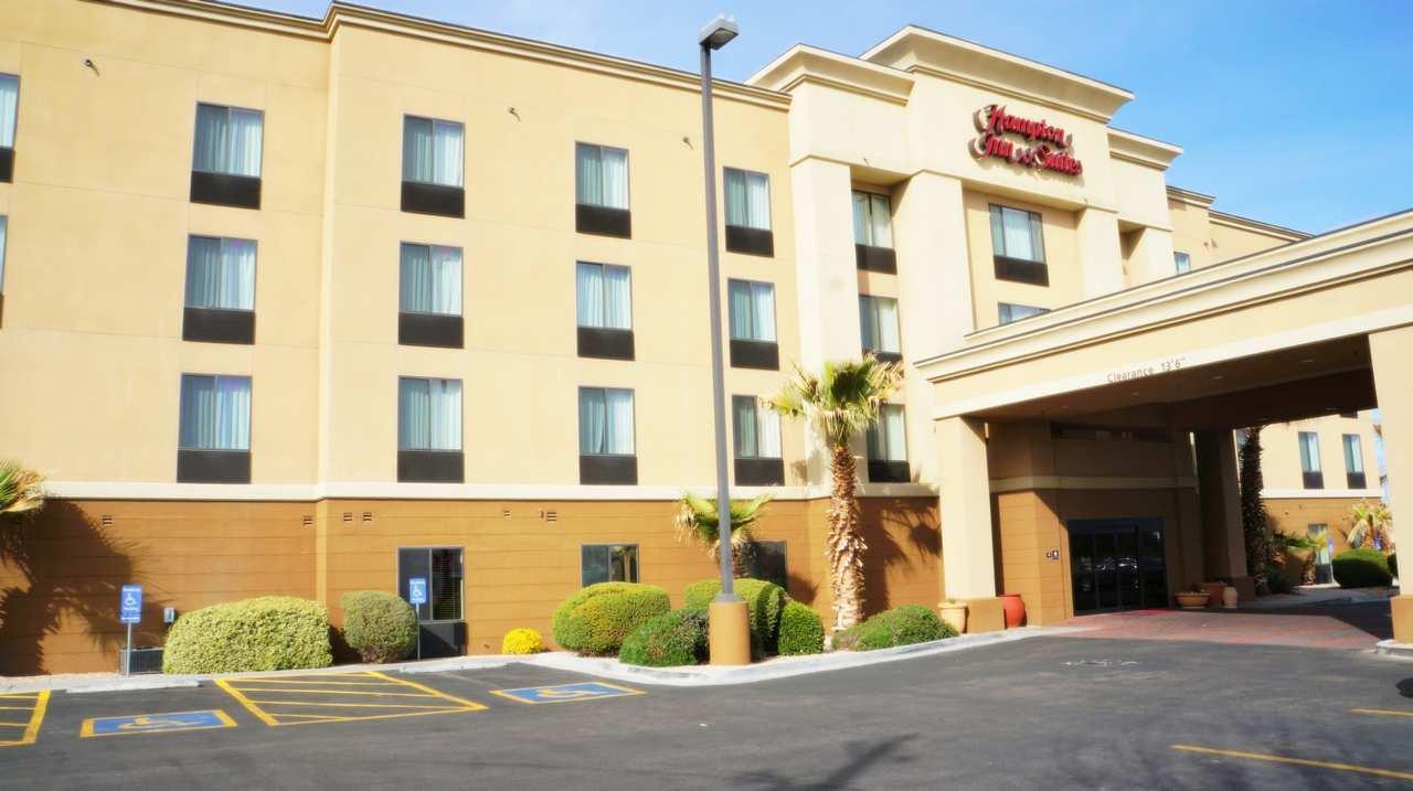 Hampton Inn & Suites Kingman image 1